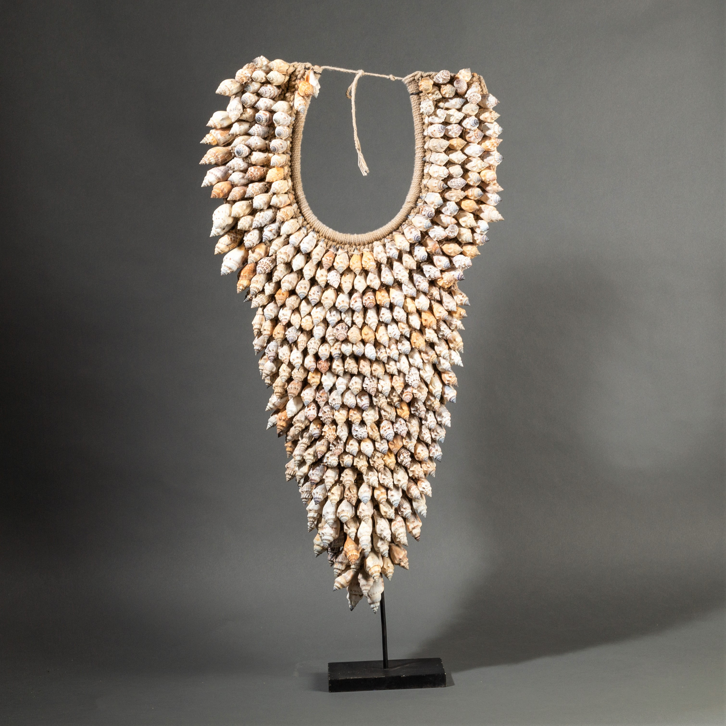 A TALL SHELL NECKLACE ( No 297 )