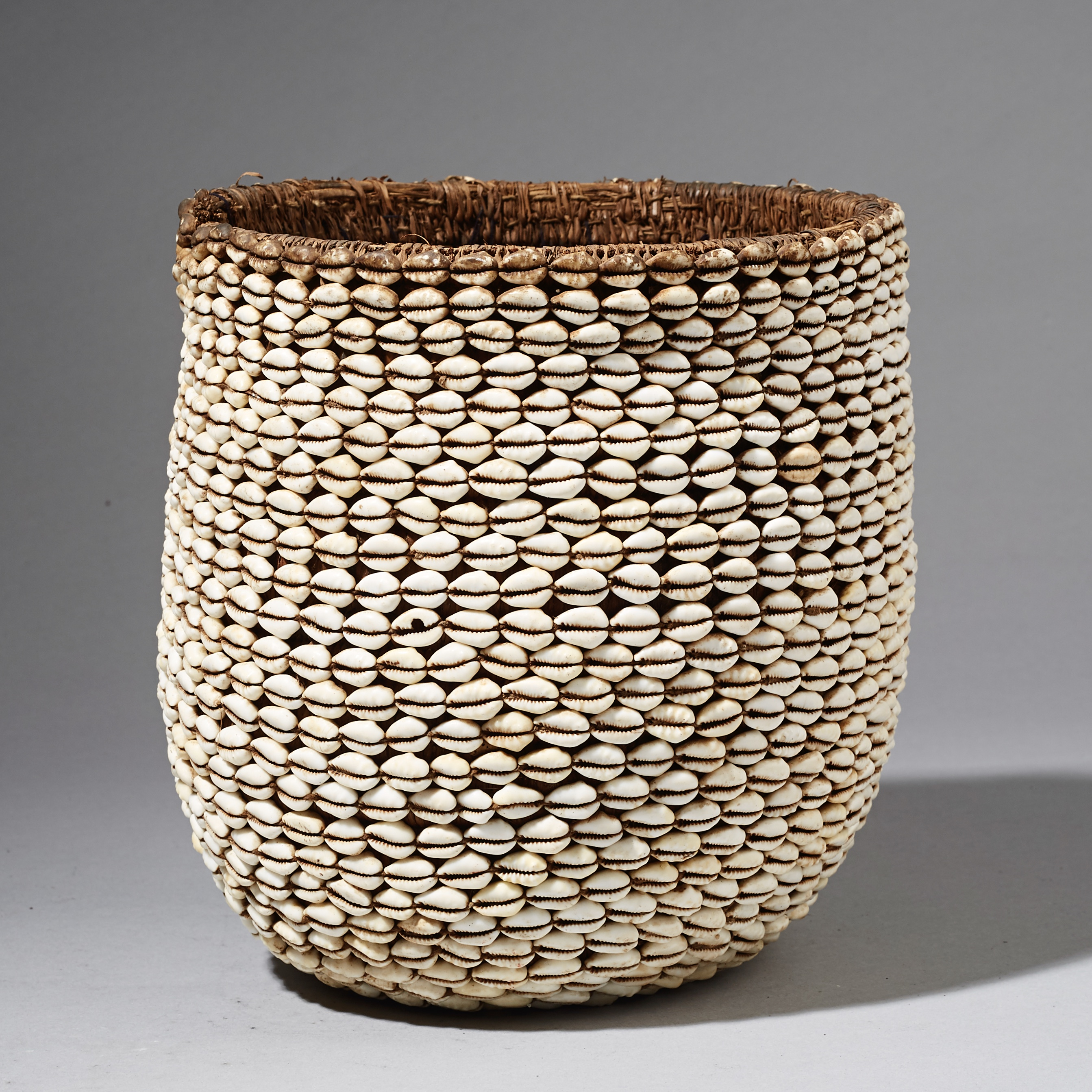 A WONDEROUS COWRIE BASKET, MOSSI TRIBE OF BURKINA FASO   ( No 2466 )