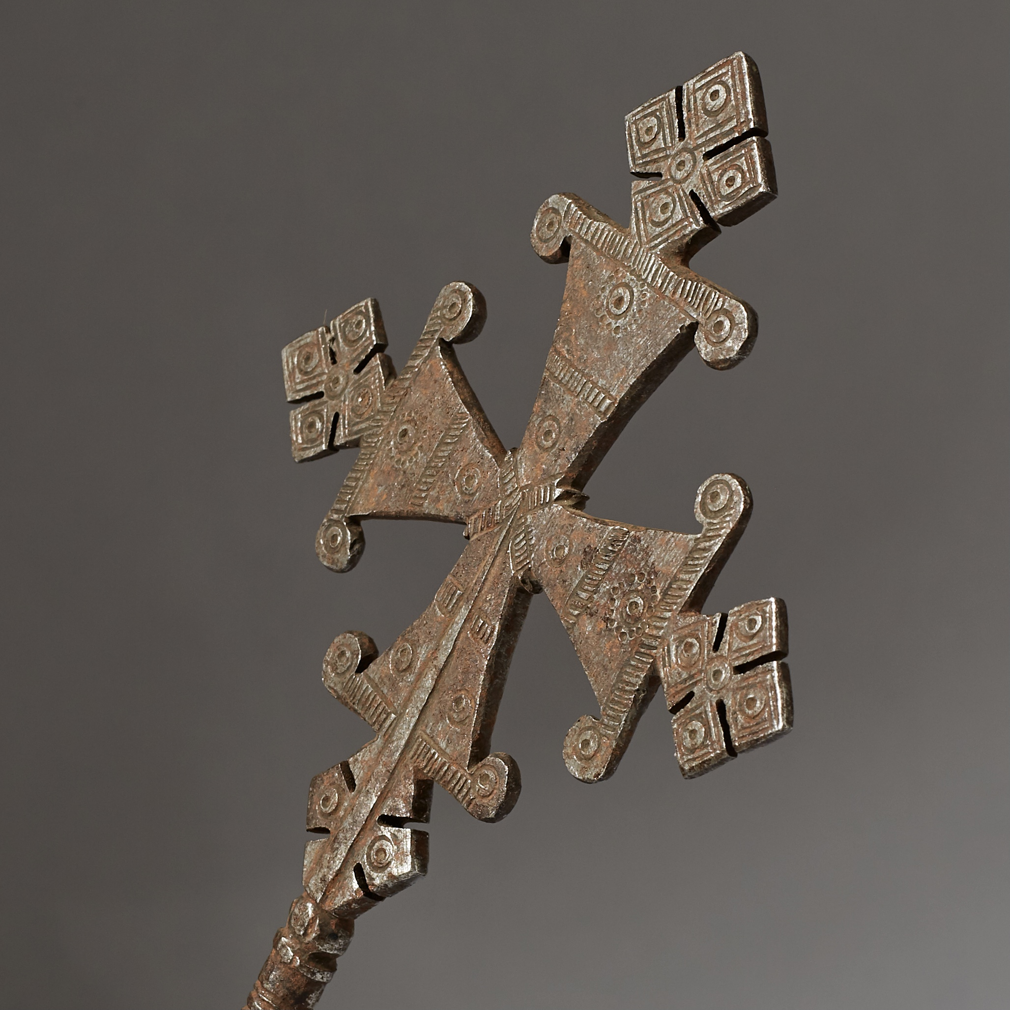 A STATUESQUE 18THC IRON BLESSING HANDCROSS FROM ETHIOPIA ( No 2849 )