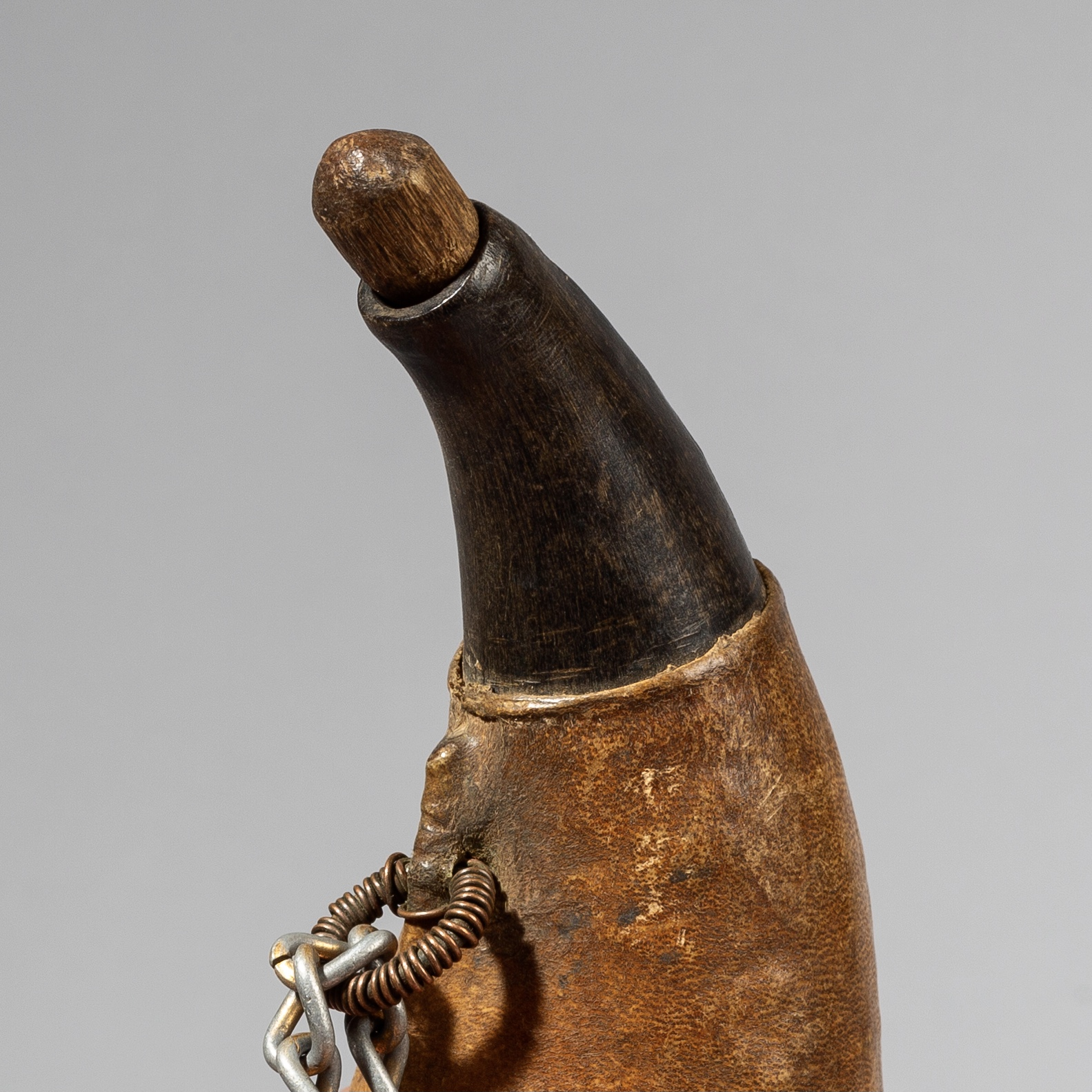A TWO TONE HORN SNUFF CONTAINER NECKLACE FROM POKOT  TRIBE OF KENYA ( No 3625)