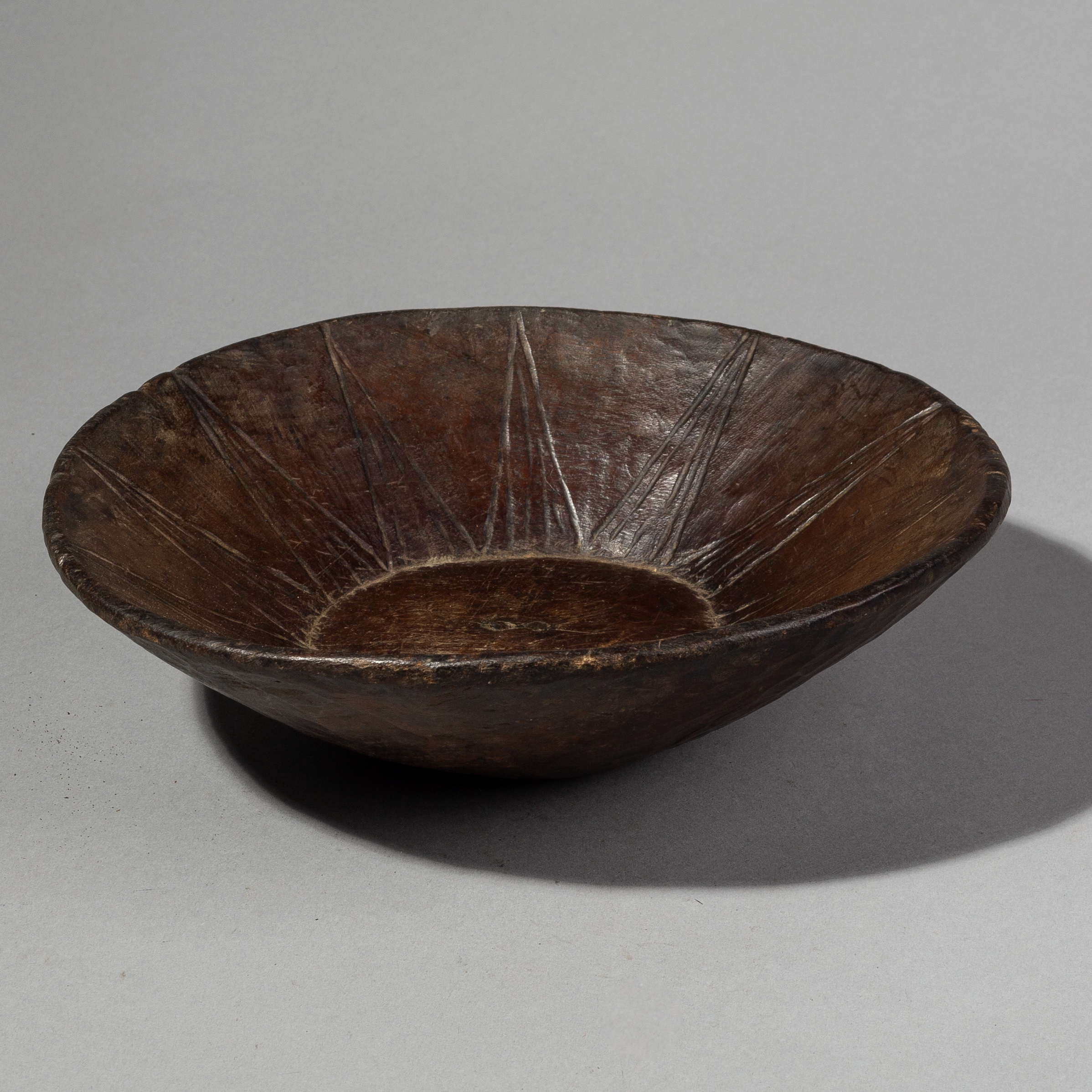 A SMALLISH ENGRAVED WOODEN BOWL FROM  ETHIOPIA ( No 1955 )