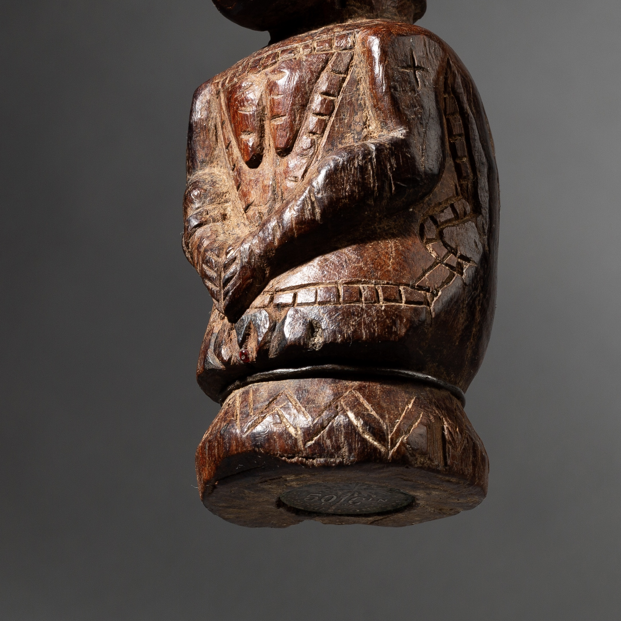 A CHARMING TABWA  MAGICAL STATUE   FROM CONGO  (    No 3522 )