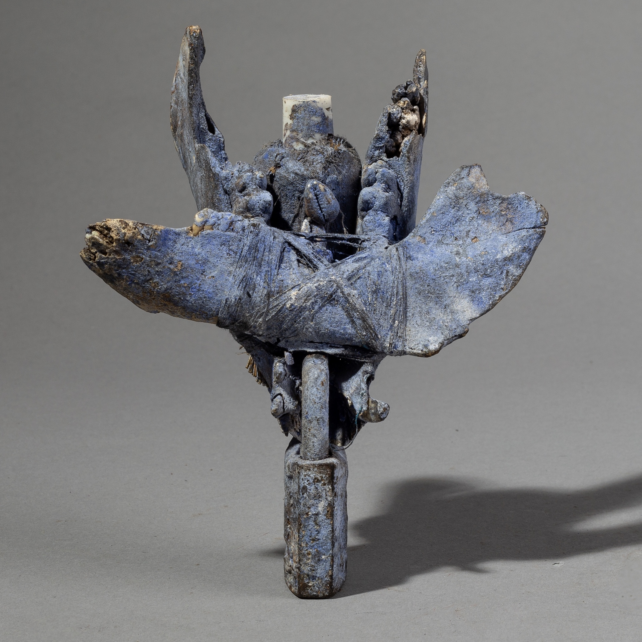 SD A BLUE JAW BONE + LOCK FETISH FROM EWE TRIBE BENIN ( No 1891 )