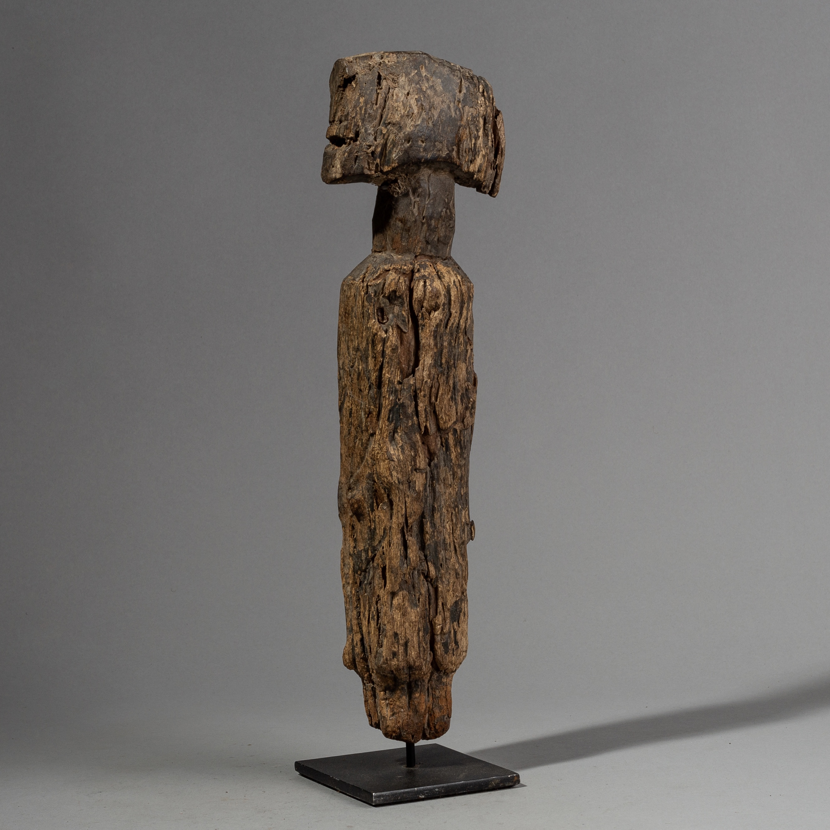 A RUSTIC WEATHERED ALTAR FIGURE FROM NIGERIA ( No 2245 )
