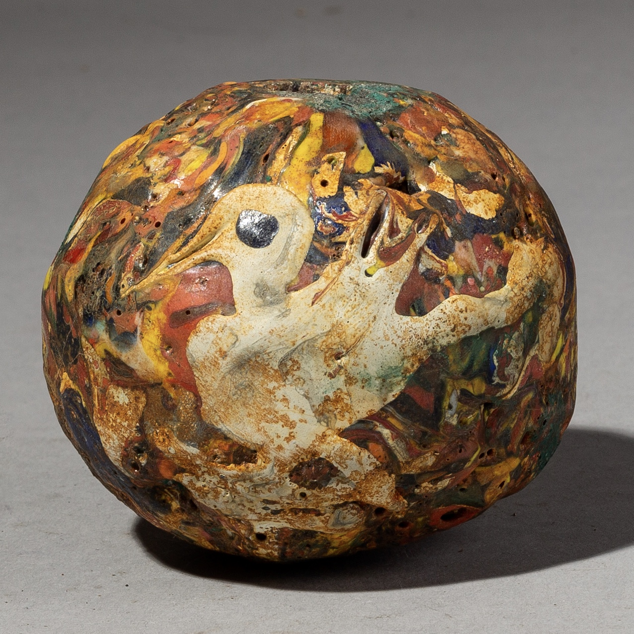 AN ARTISTIC X LARGE BEAD WITH BIRD DECORATION, JAVA ( No 2005 )