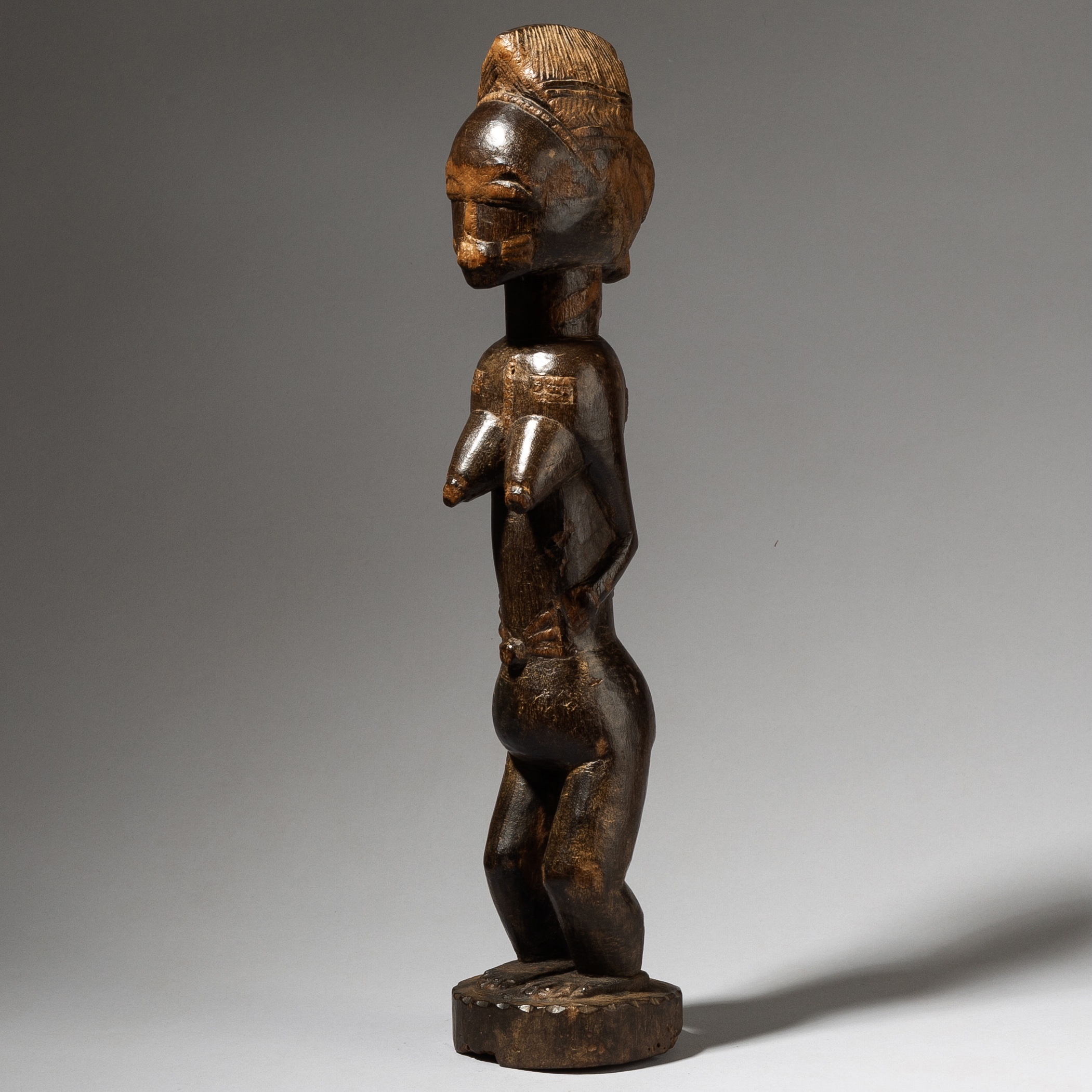 AN INDIVIDUAL. STATUESQUE SPIRIT PARTNER. BAULE TRIBE IVORY COAST W AFRICA ( No 4160 )