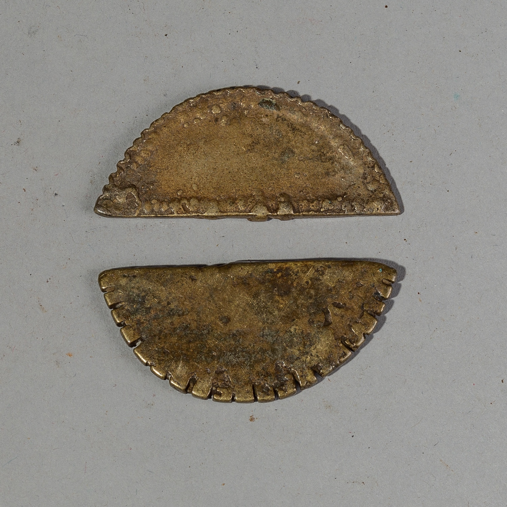 TWO 18THC GEOMETRIC AKAN GOLD WEIGHTS ( No 2257 )