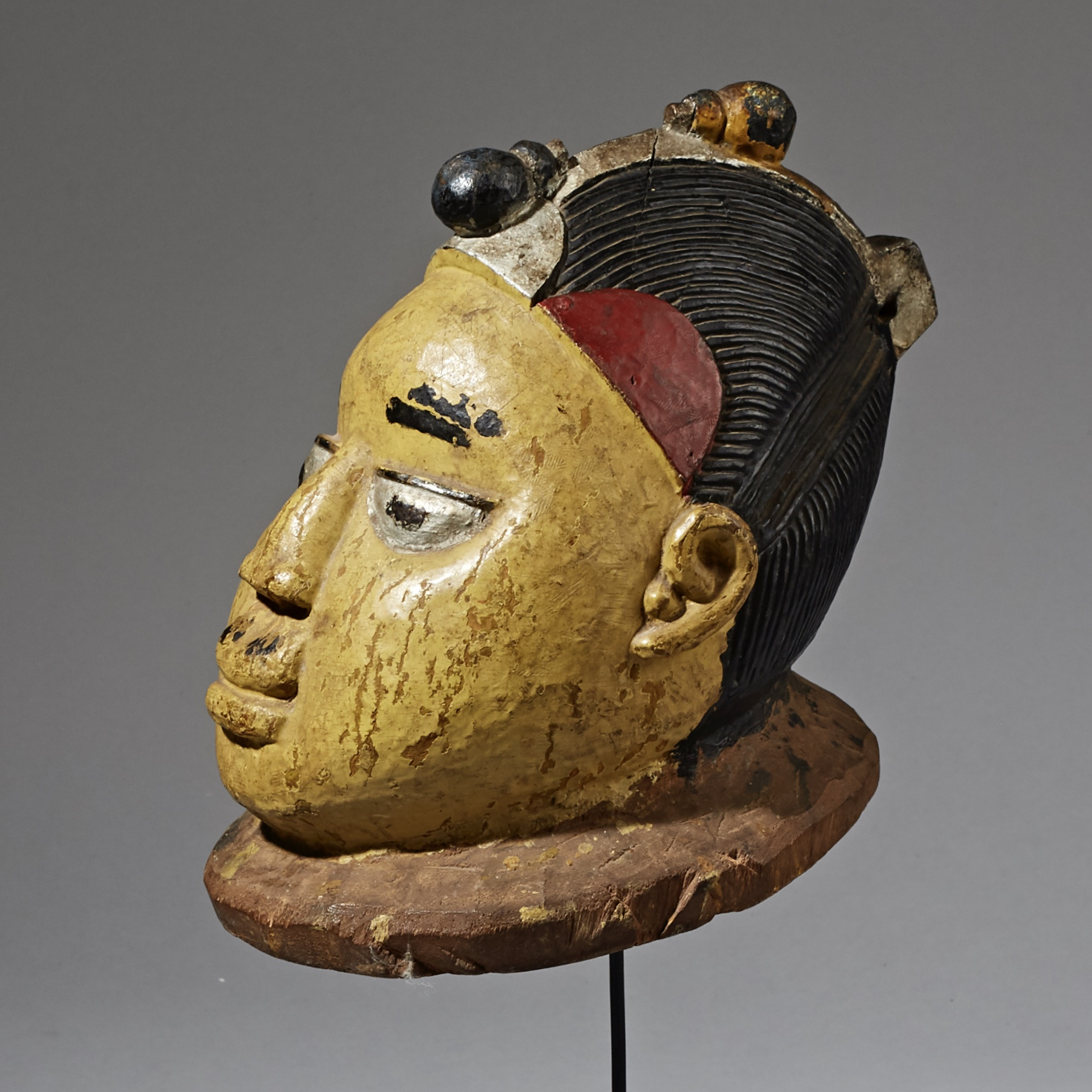 A COLOURFUL YORUBA TRIBE GELEDE MASK FROM NIGERIA ( No 2311)