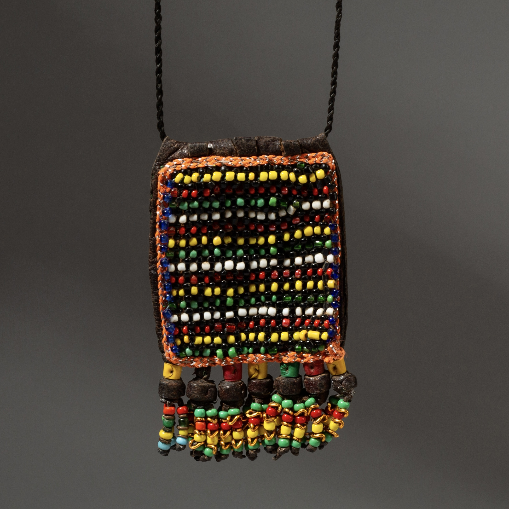 A QUAINT WADAABE LEATHER + BEAD NECKLACE FROM NIGER ( No 3237 )