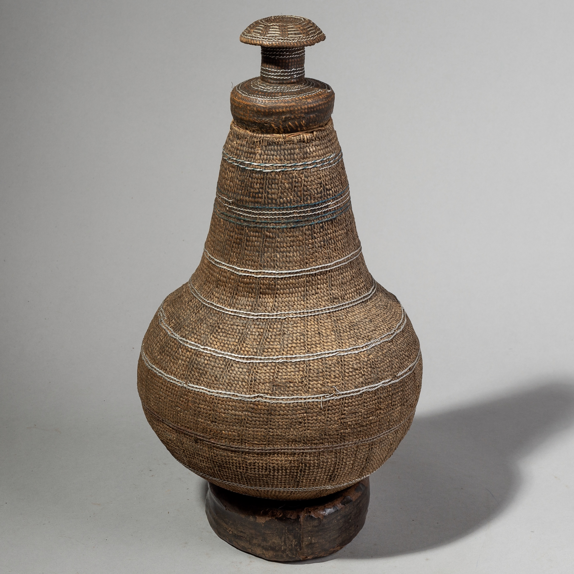 A TALL SOPHISTICATED BASKET FROM BORANA TRIBE OF ETHIOPIA ( No 1758 )