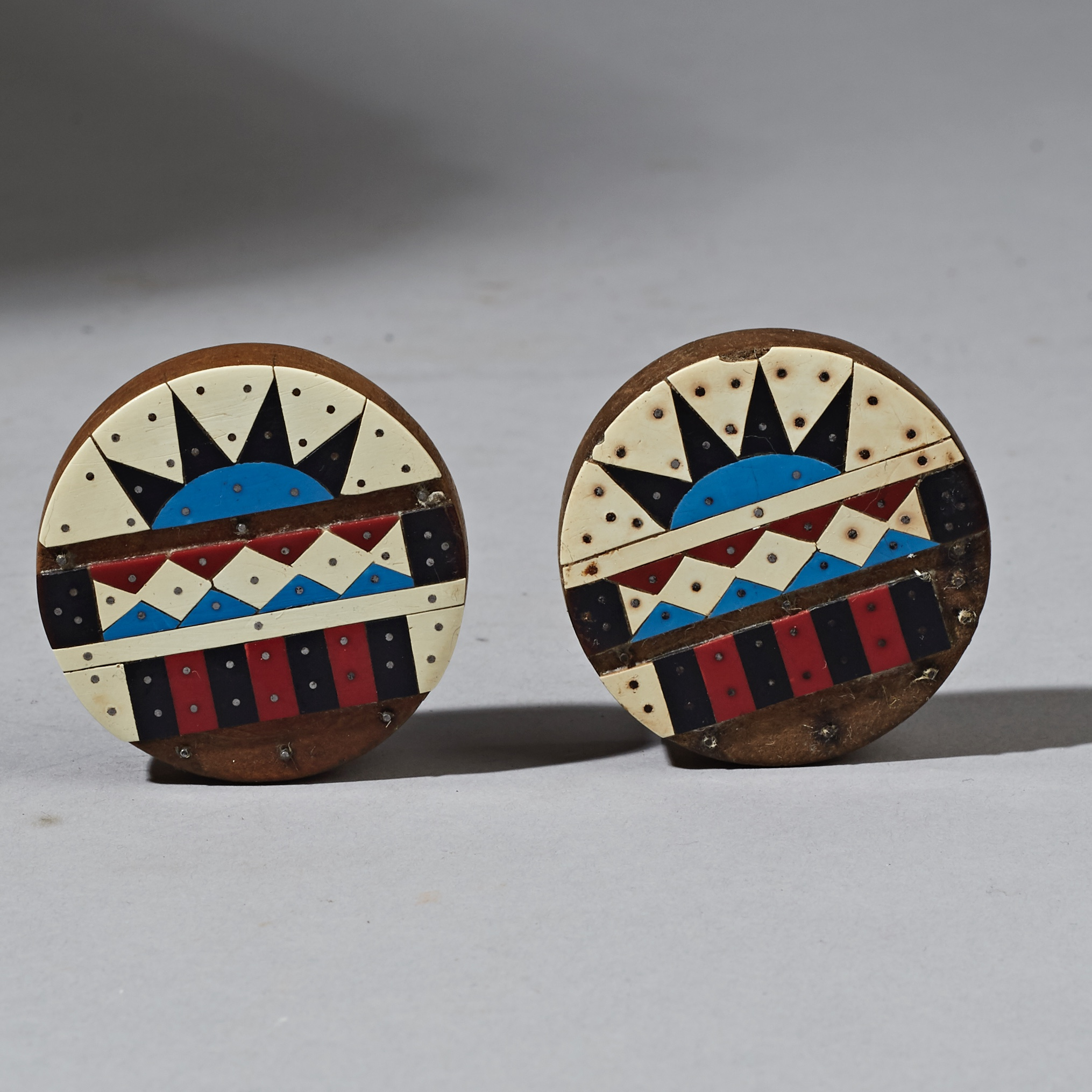 ( SOLD- LY ) - A DETAILED PAIR OF ZULU EARPLUGS, SOUTH AFRICA  ( No 2583 )