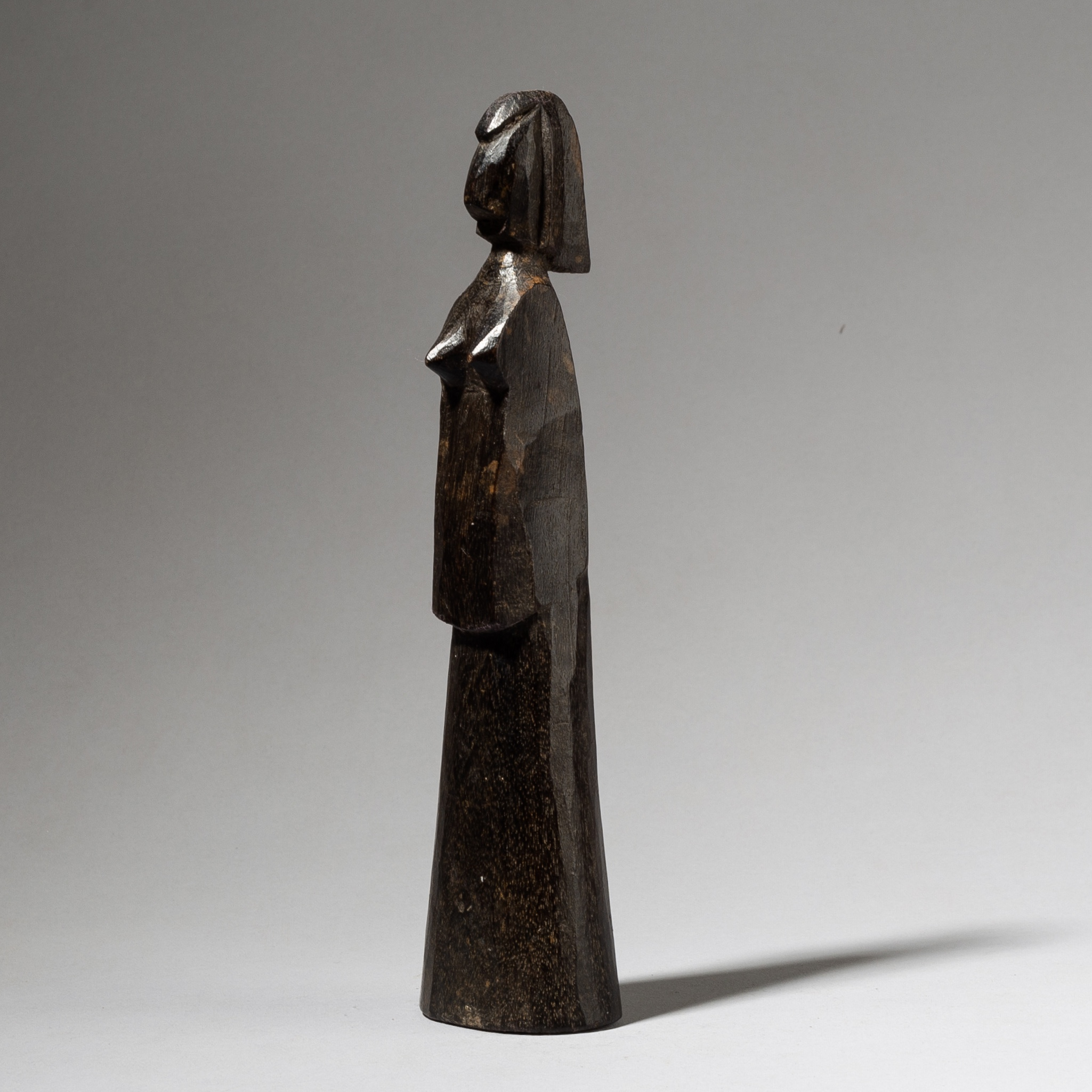 A DIGNIFIED DOLL FROM THE MOSSI TRIBE WEST AFRICA ( No 4028 )