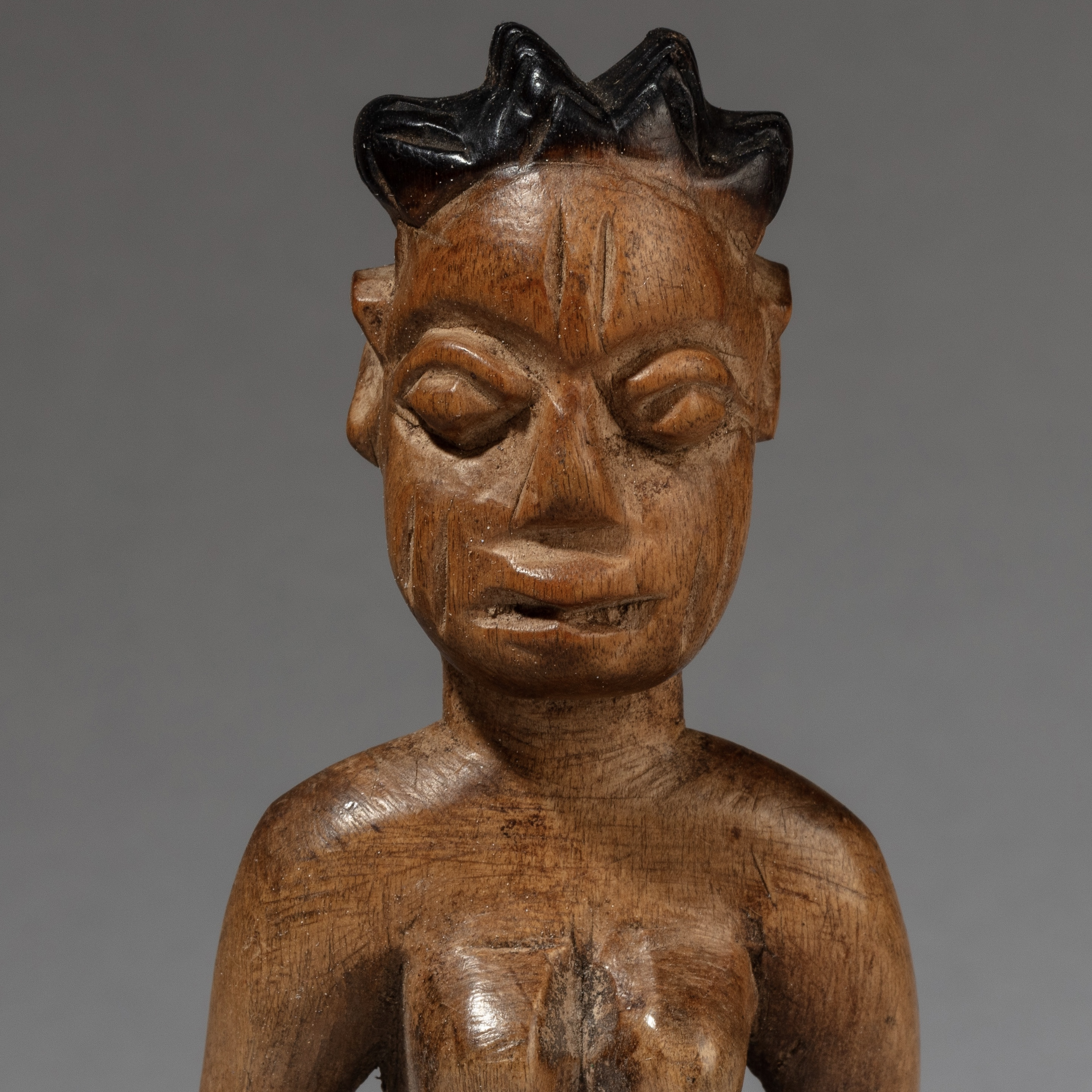 A BLEACHED BLONDE EWE VENAVI DOLL, GHANA ( No 3433 )
