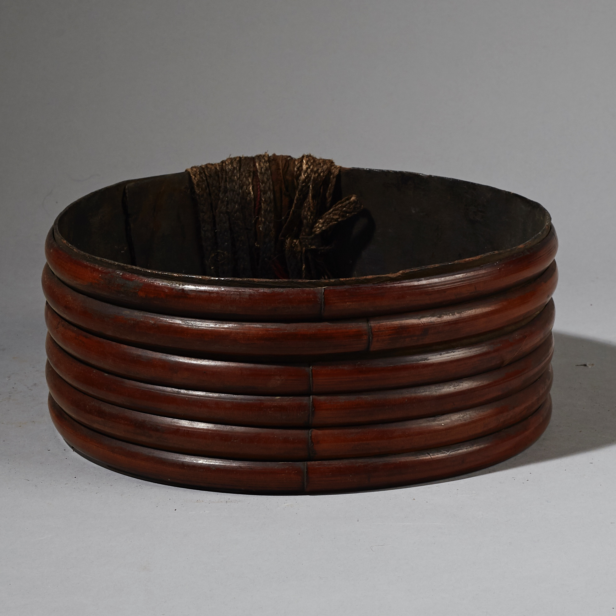 A TRADITIONAL BAMBOO +BARK BELT FROM PAPUA NEW GUINEA ( No 2658 )