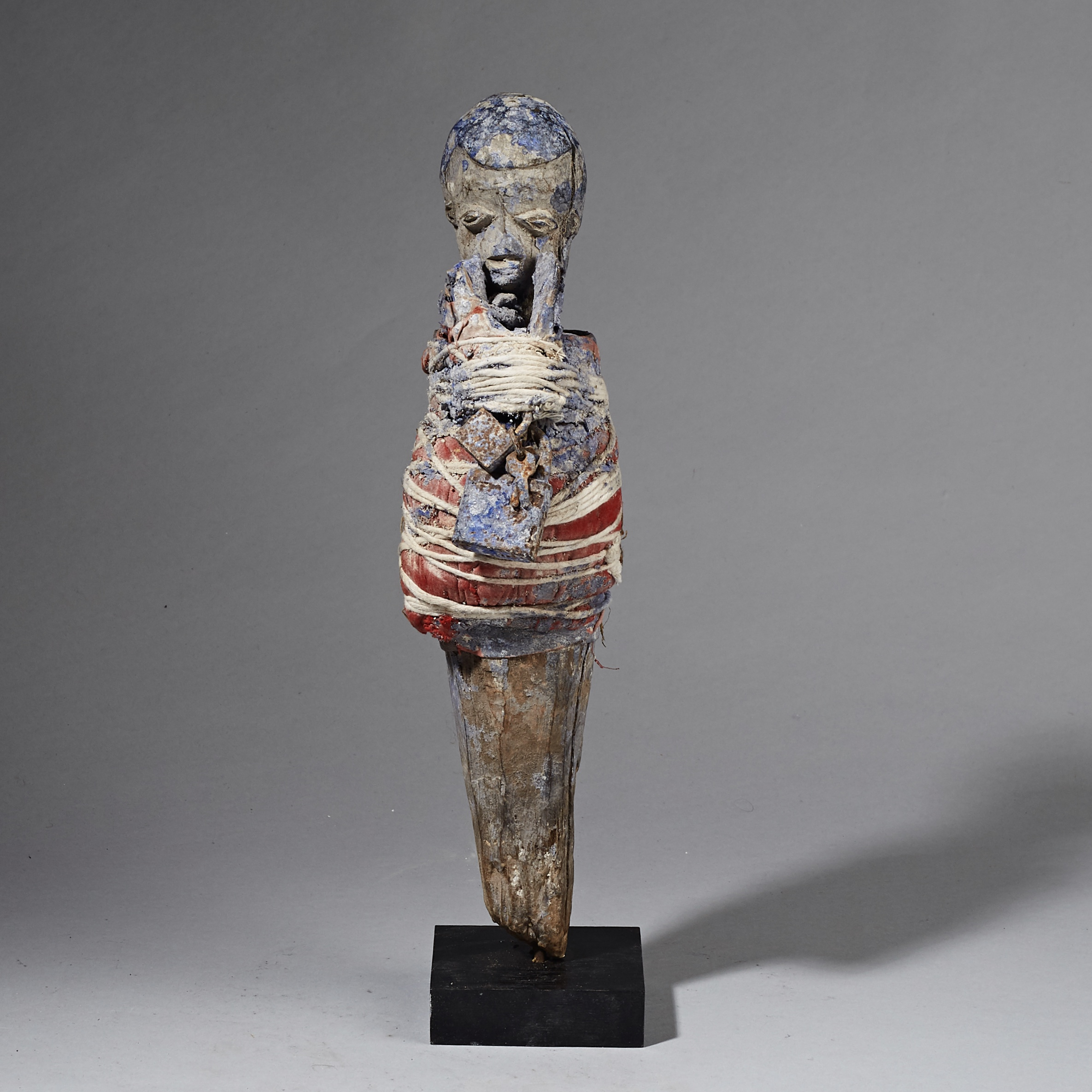AN ENIGMATIC POWER FIGURE FROM THE EWE TRIBE OF GHANA ( No 2550 )