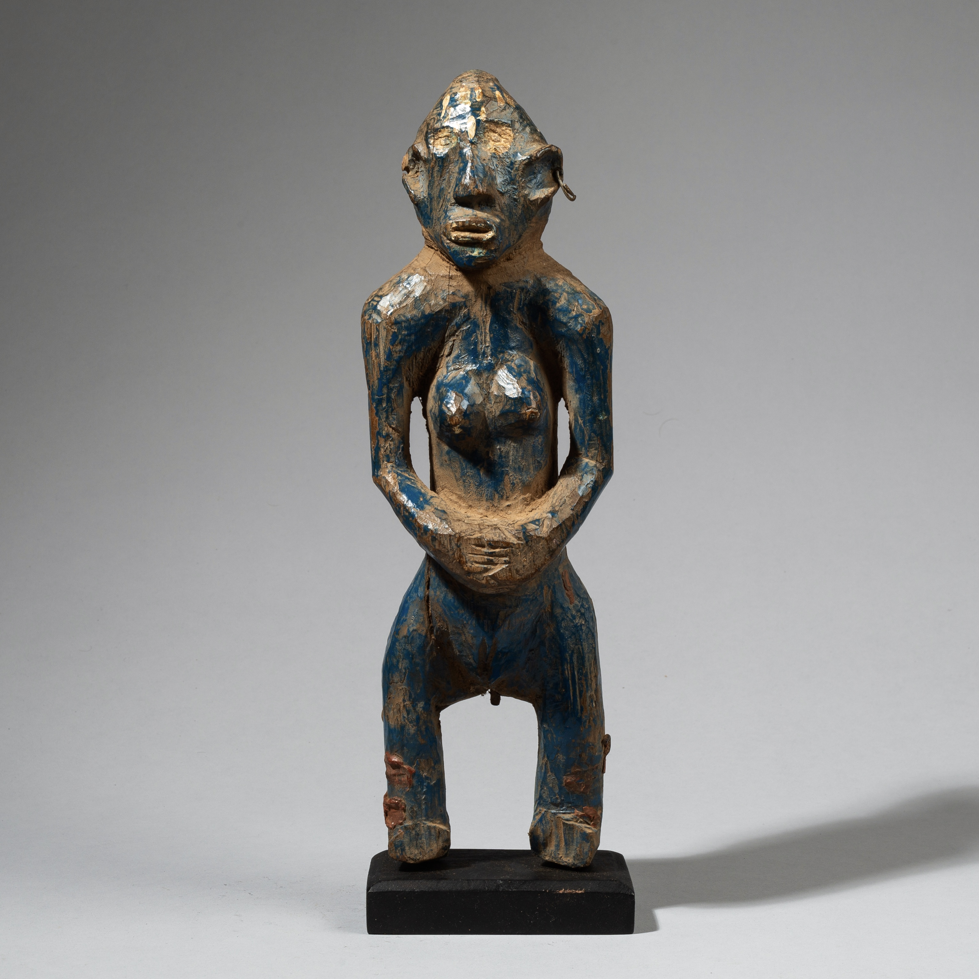 A TALL BLUE SENOUFO ALTAR FIGURE FROM THE IVORY COAST W. AFRICA ( No 4440 )