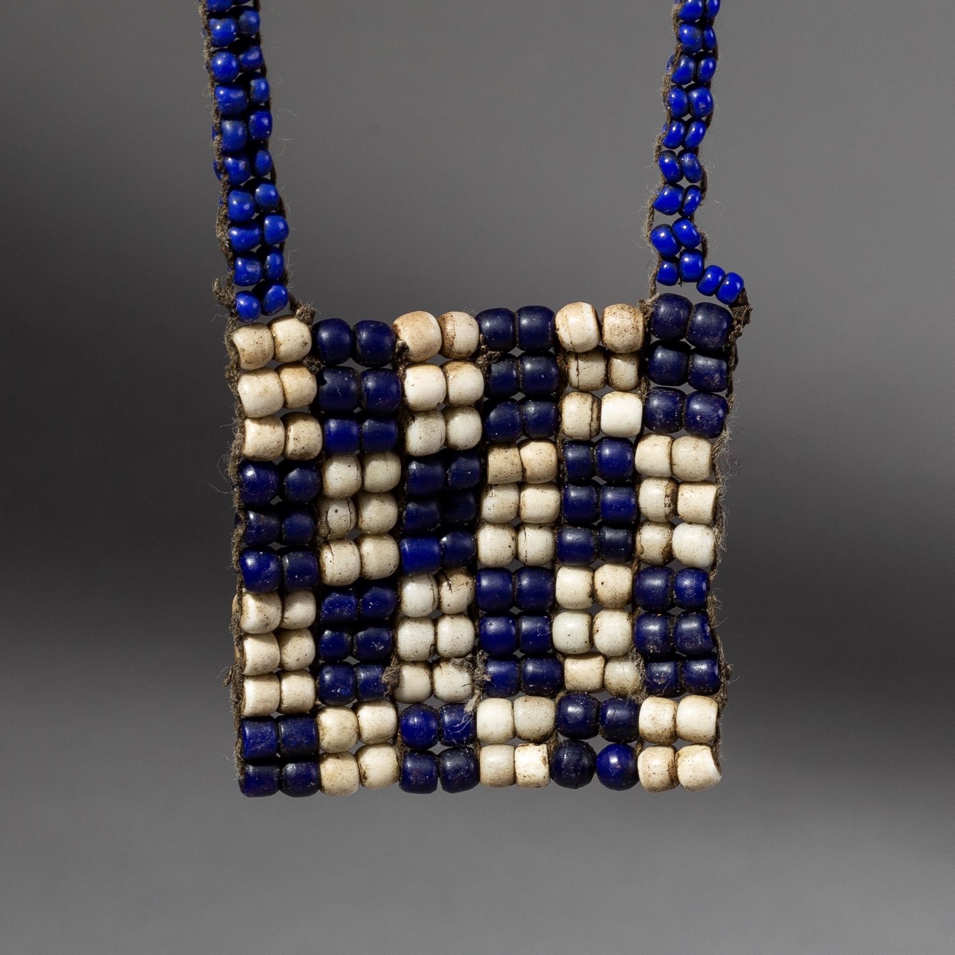 A CHECKERBOARD GLASS BEAD NECKLACE FROM KENYA ( No 2190 )