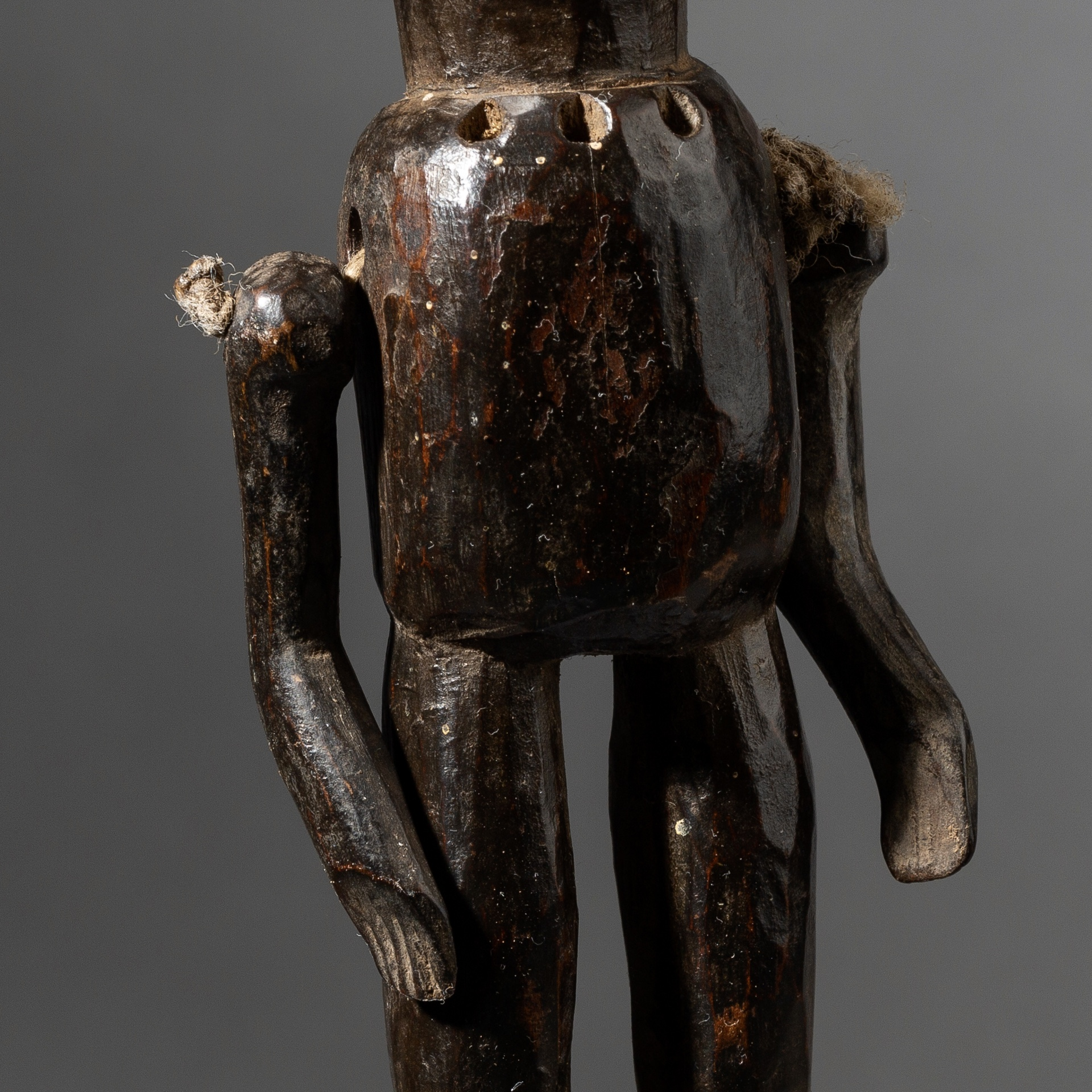 A MARIONETTE STATUE WITH ARTICULATED ARMS, NYAMWESI TRIBE OF TANZANIA ( No 3492 )