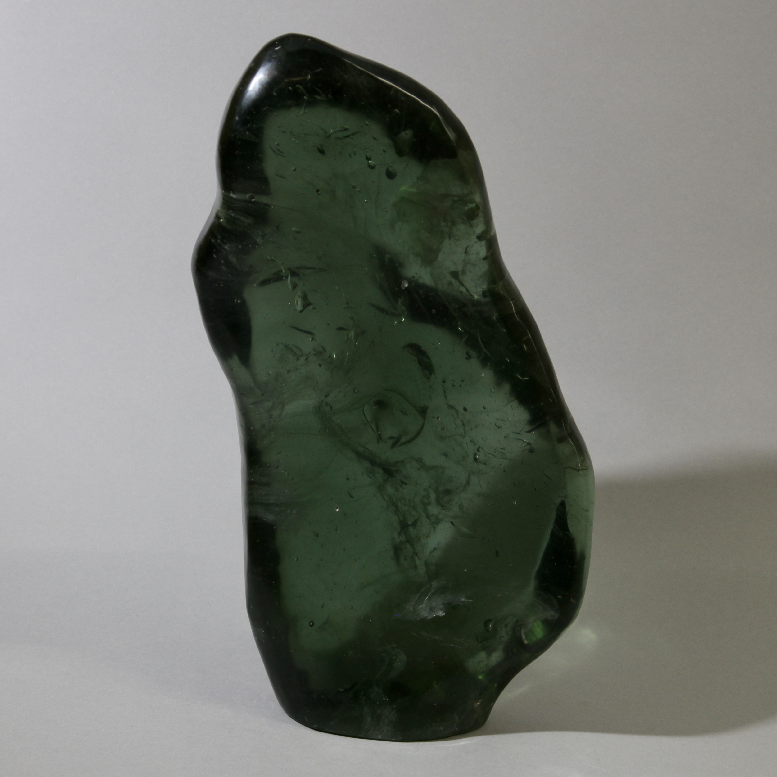 AN ORGANICALLY SHAPED NATURAL GLASS FROM MADAGASCAR ( No 1386 )
