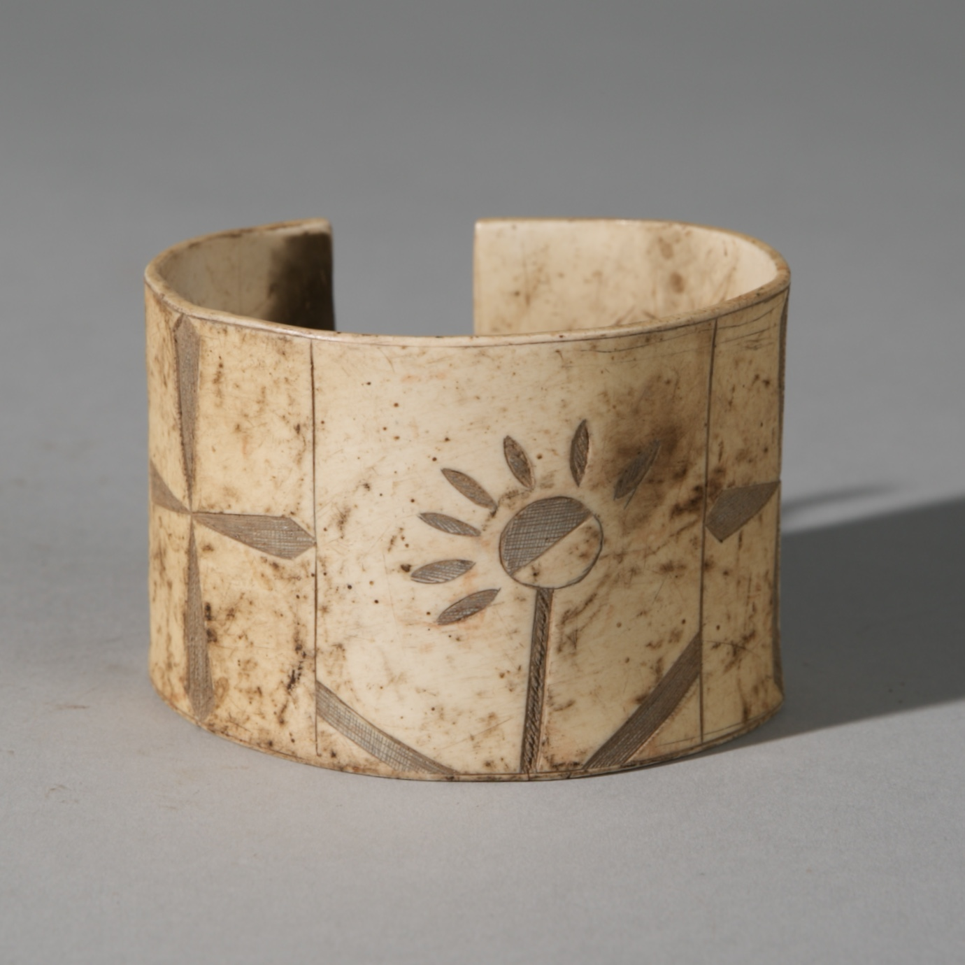 Sold YEARS-A WONDERFUL ENGRAVED CUFF, HIMBA TRIBE OF NAMIBIA SW AFRICA( No 3919 )