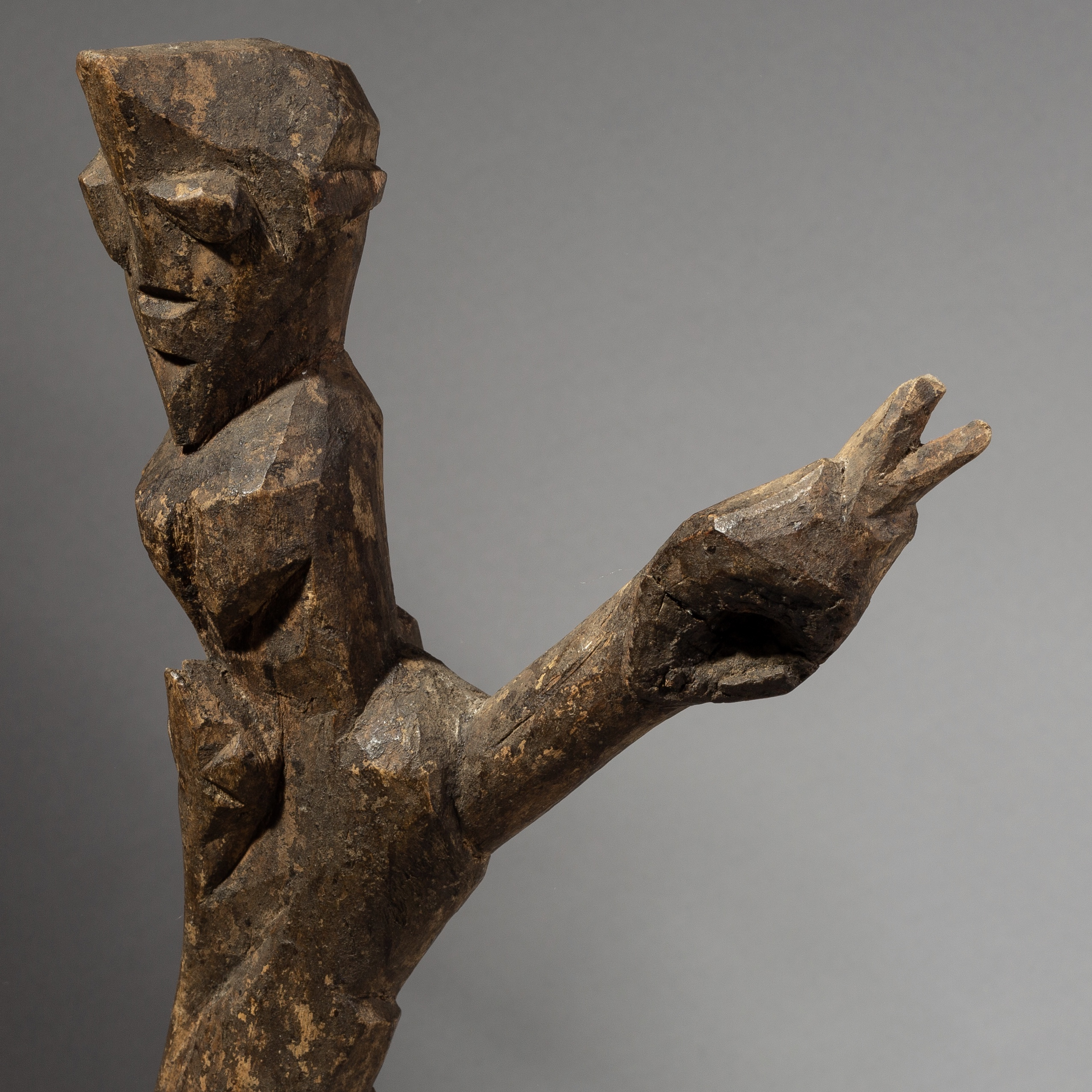 AN OTHERWORLDLY LOBI THIL FIGURE FROM BURKINA FASO ( No 1908 )