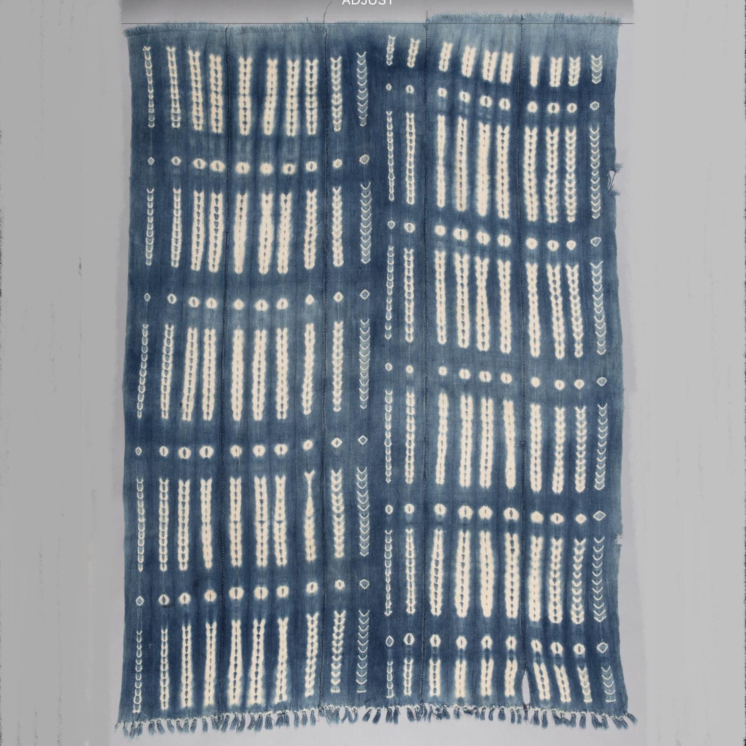 A  DIVINE WOMANS CLOTH, MOSSI TRIBE BURKINA FASO ( No 3894 )