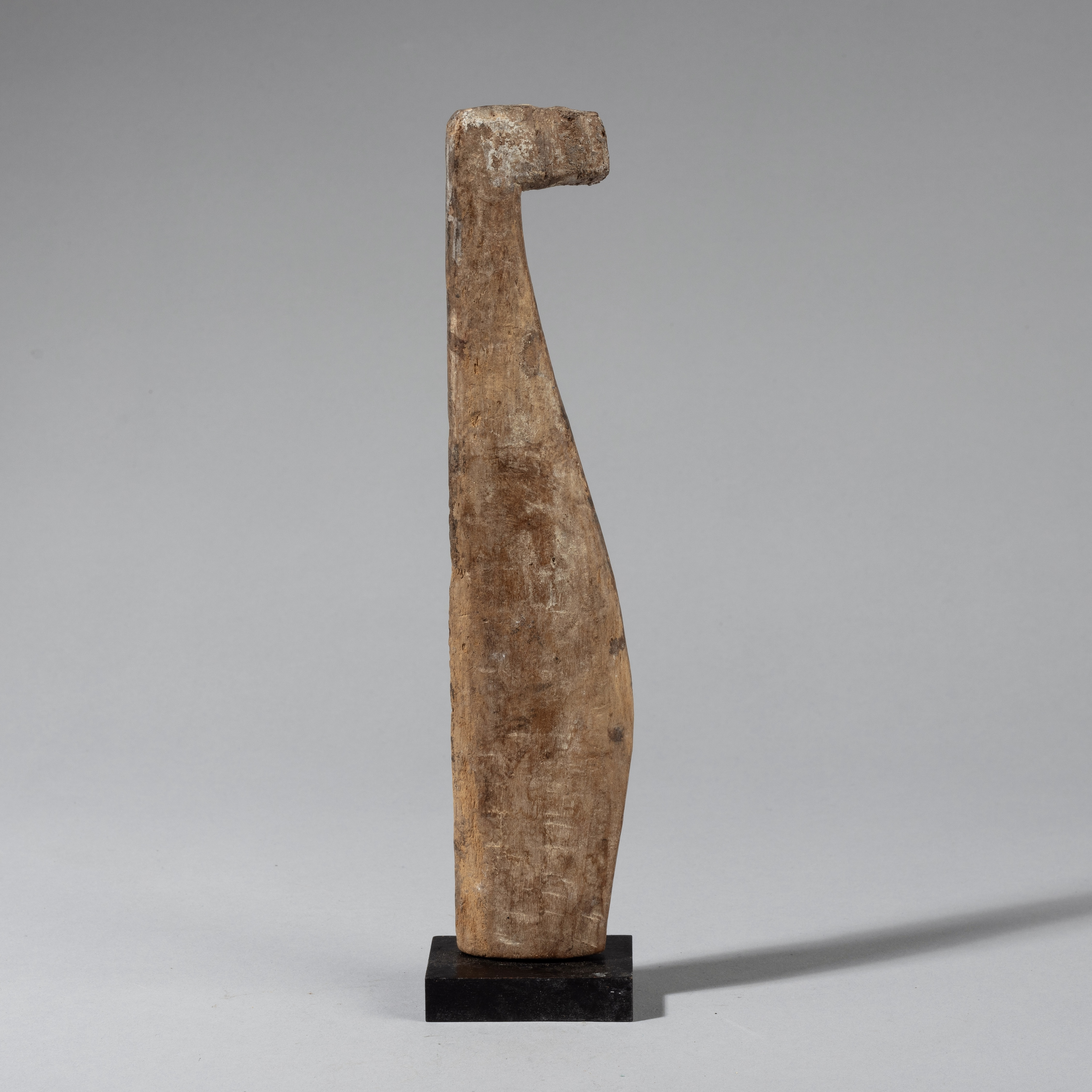 A STREAMLINED BIRD NATURE SPIRIT, ADAN TRIBE OF GHANA W AFRICA ( No 4321)