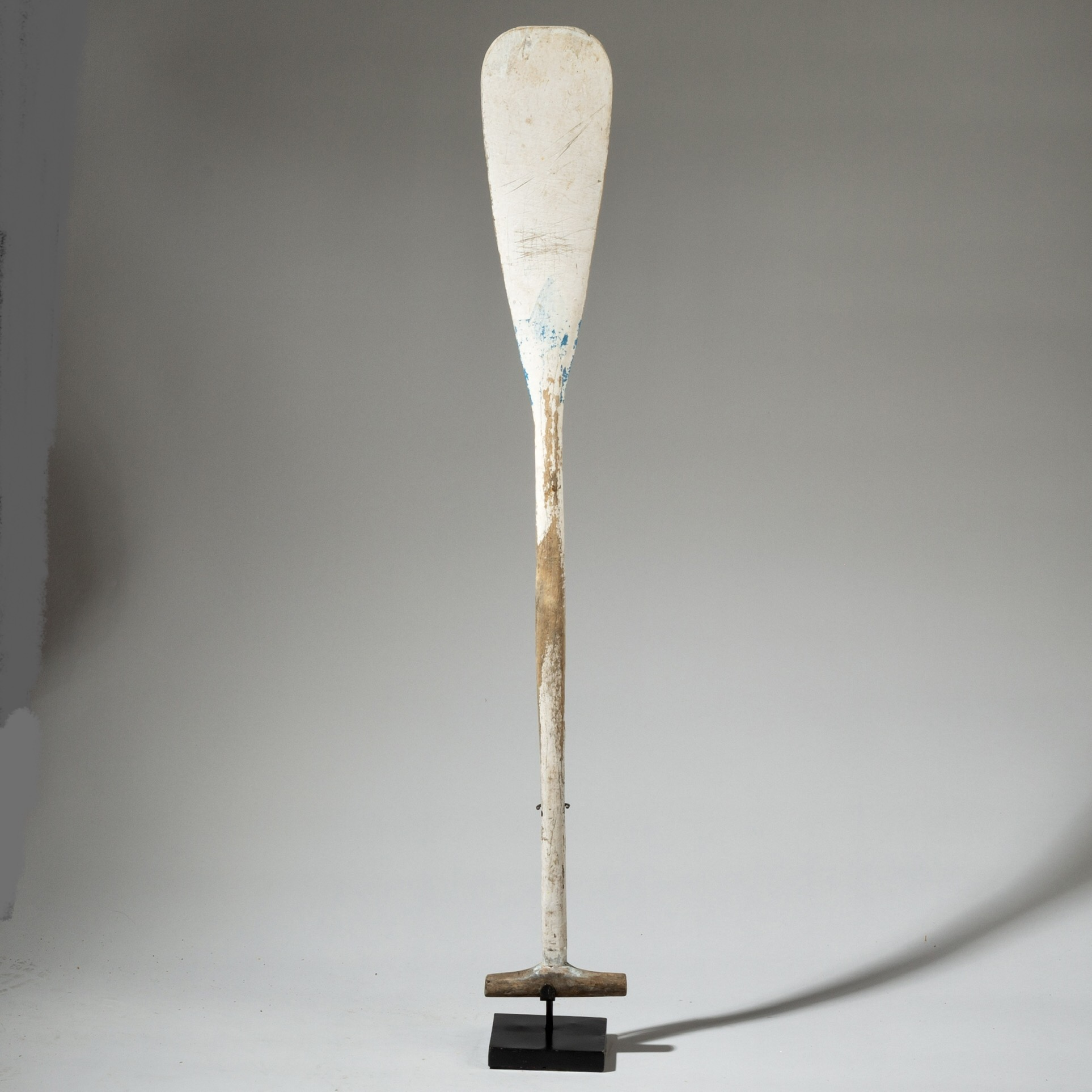 A PAINTED OAR FROM SULAWESI, INDONESIA ( No 3174 )