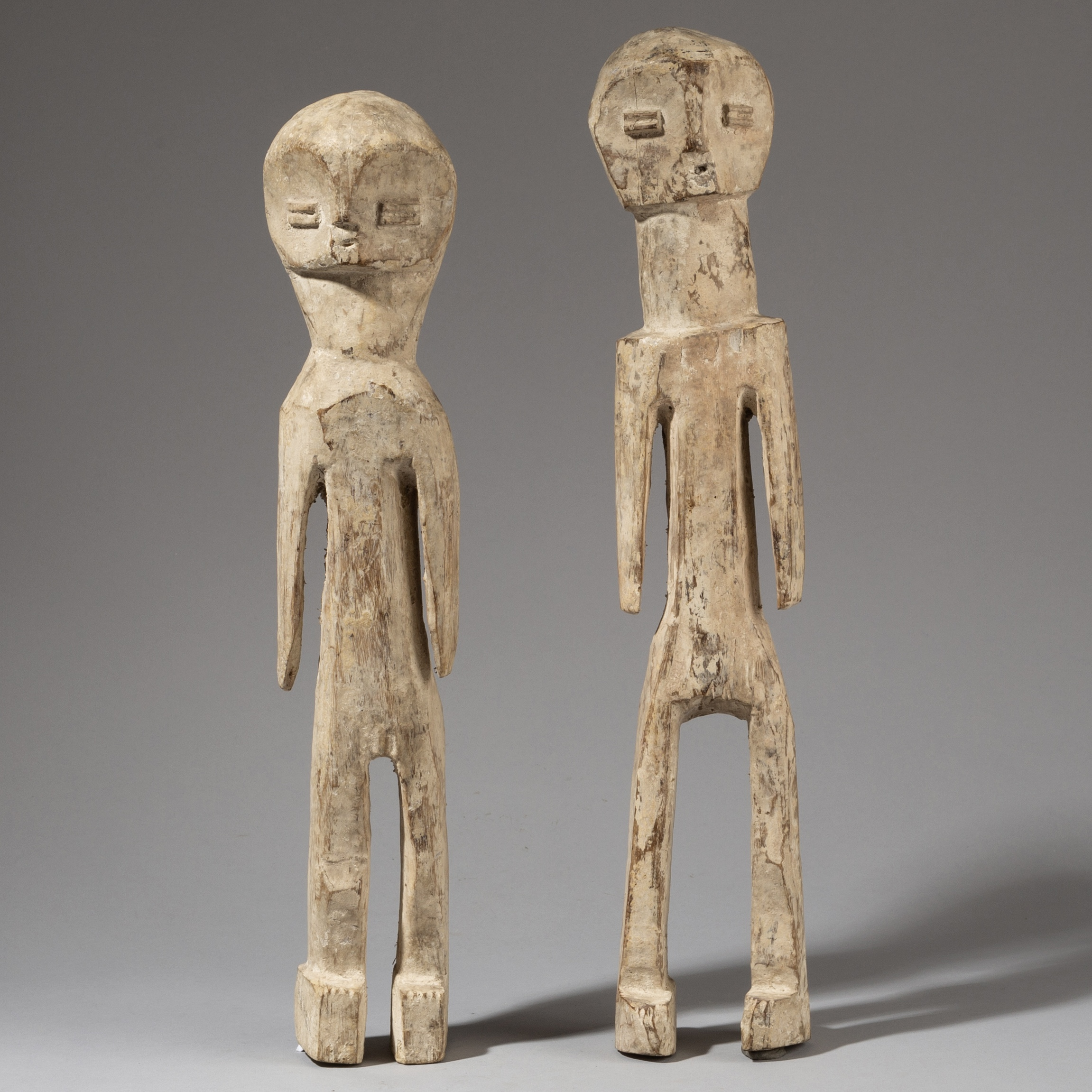 AN UNUSUAL PAIR OF EWE ALTAR FIGURES, GHANA ( No 3422 )