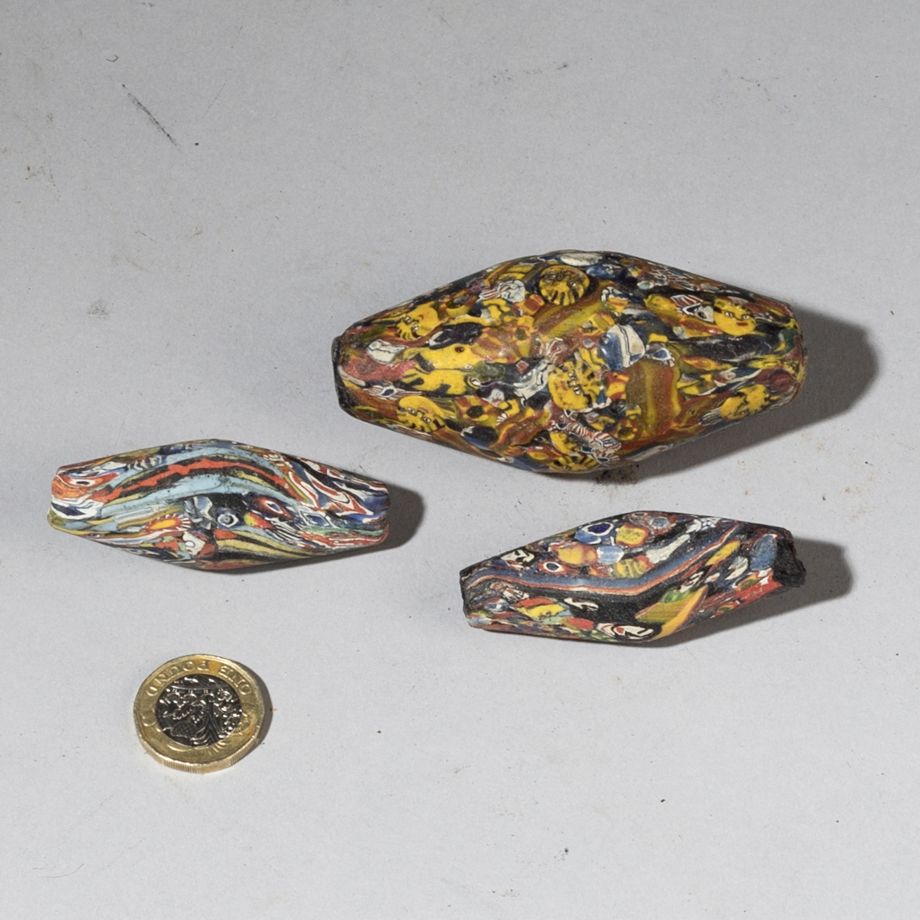 A GROUP OF 3 BIG BICONE BEADS FROM JAVA ( No 3285 )