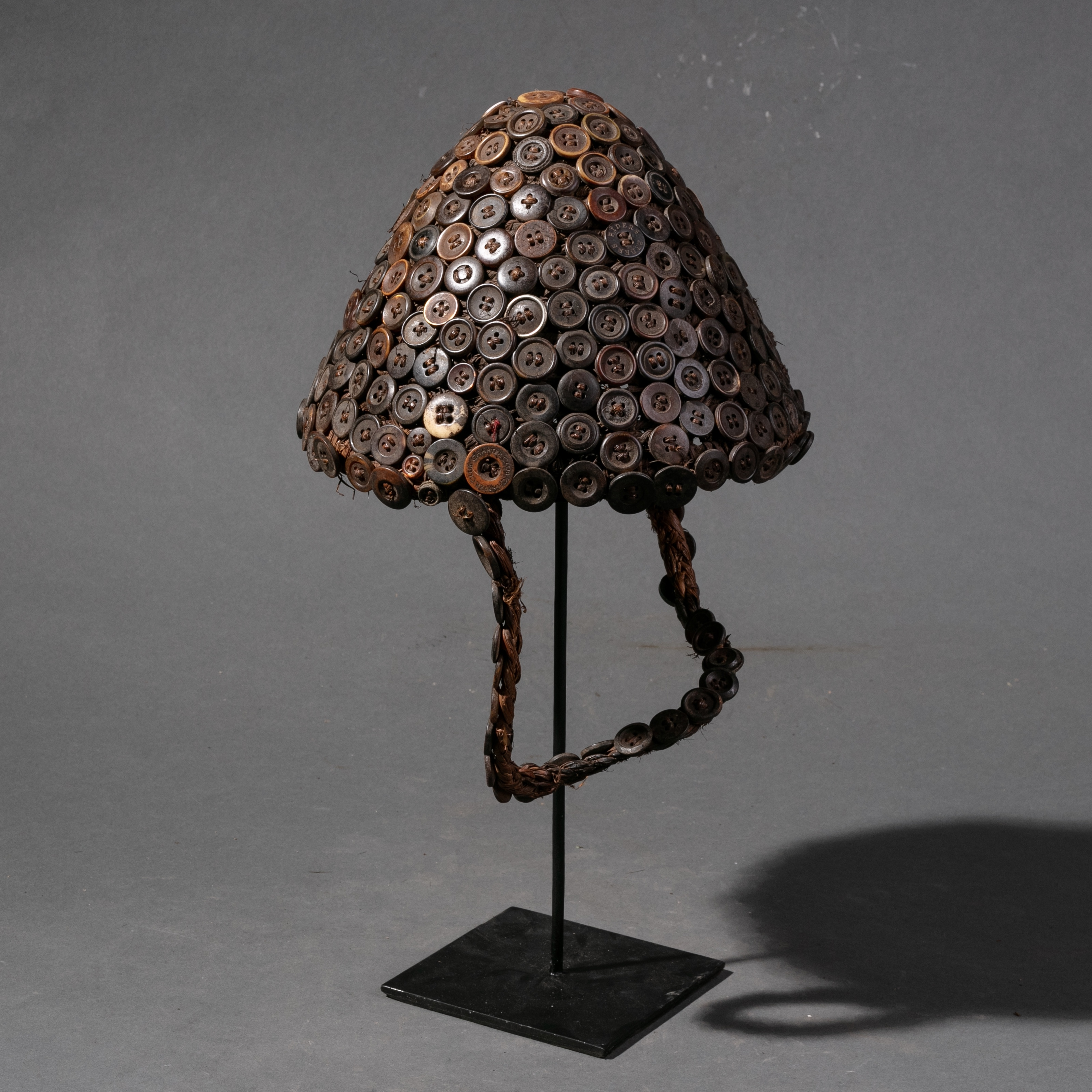 AN  INTRICATE BUTTON HAT FROM LEGA TRIBE  ( No 870 )
