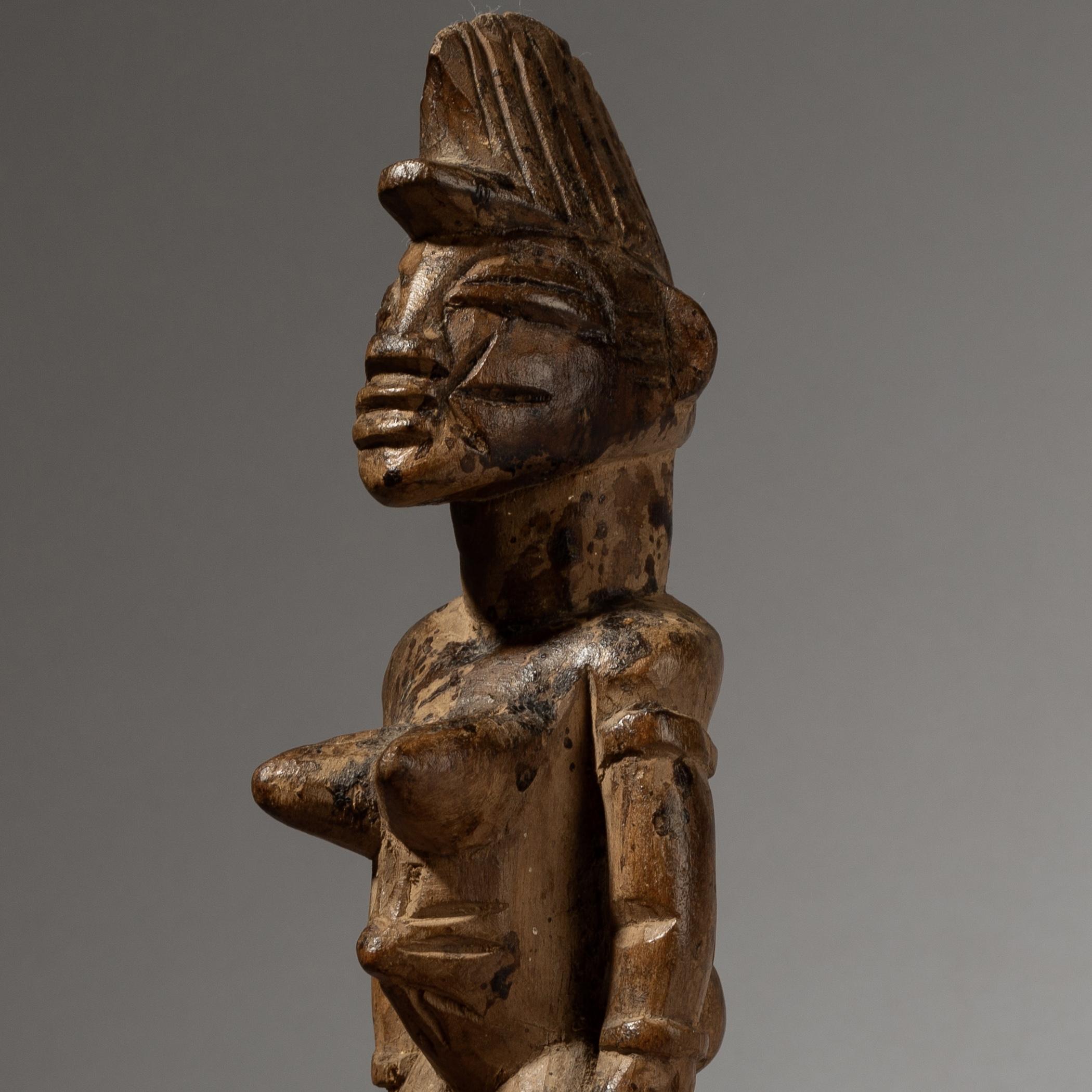 A VOLUPTOUS ALTAR FIGURE SENOUFO TRIBE IVORY W AFRICA ( No 4058 )