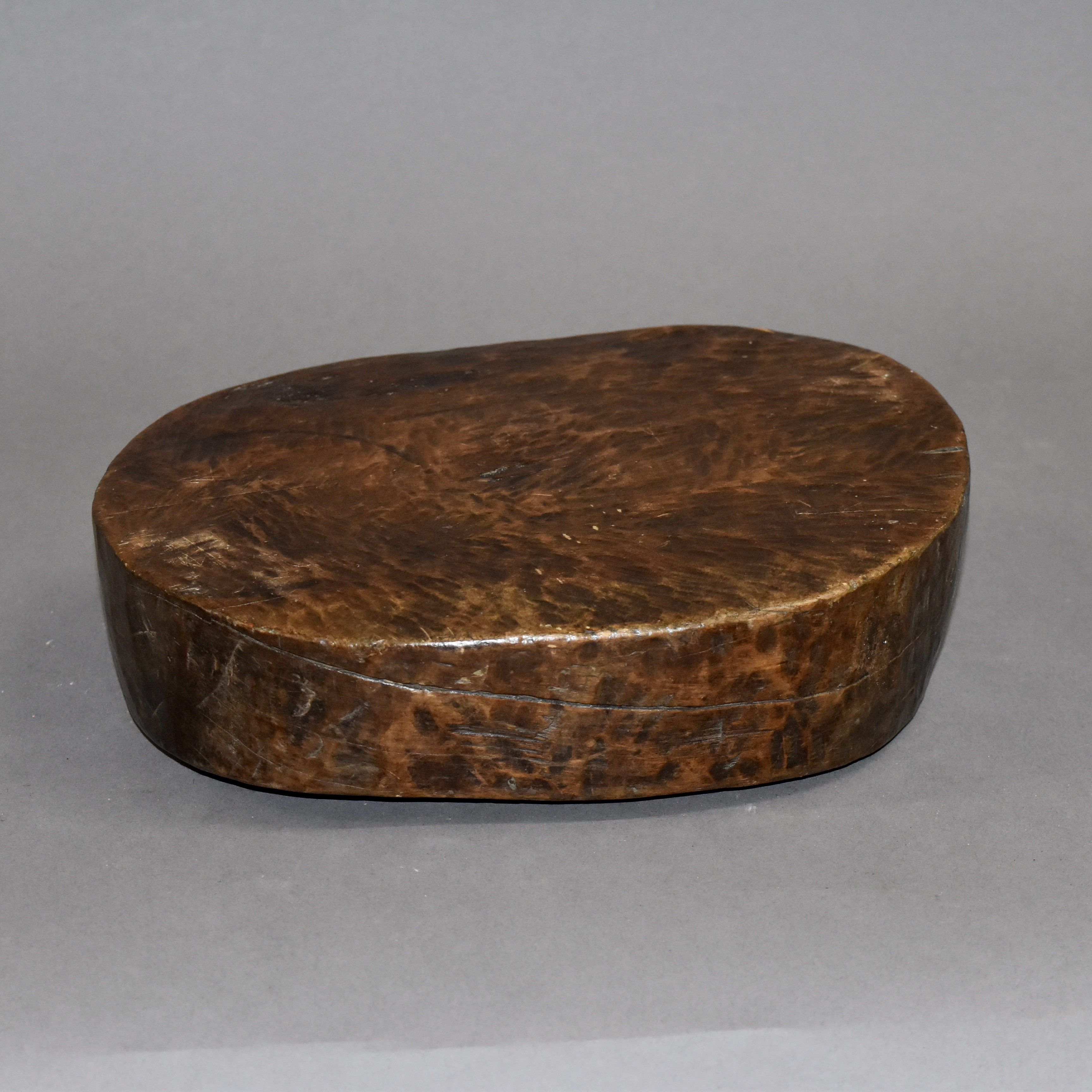 SMALL GURAGE LOW STOOL FROM ETHIOPIA ( No 452 )