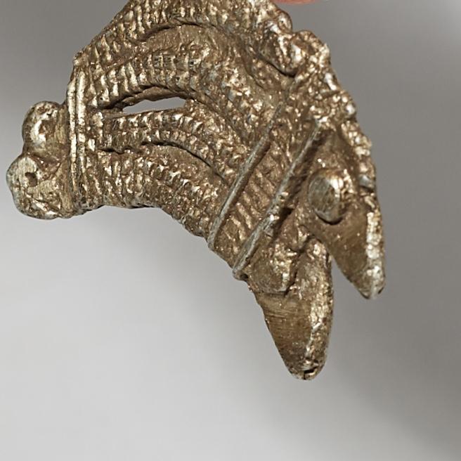 AN ALUMINIUM DOUBLE CHAMELEON PENDANT, LOBI TRIBE OF BURKINA FASO W. AFRICA( No 4377)