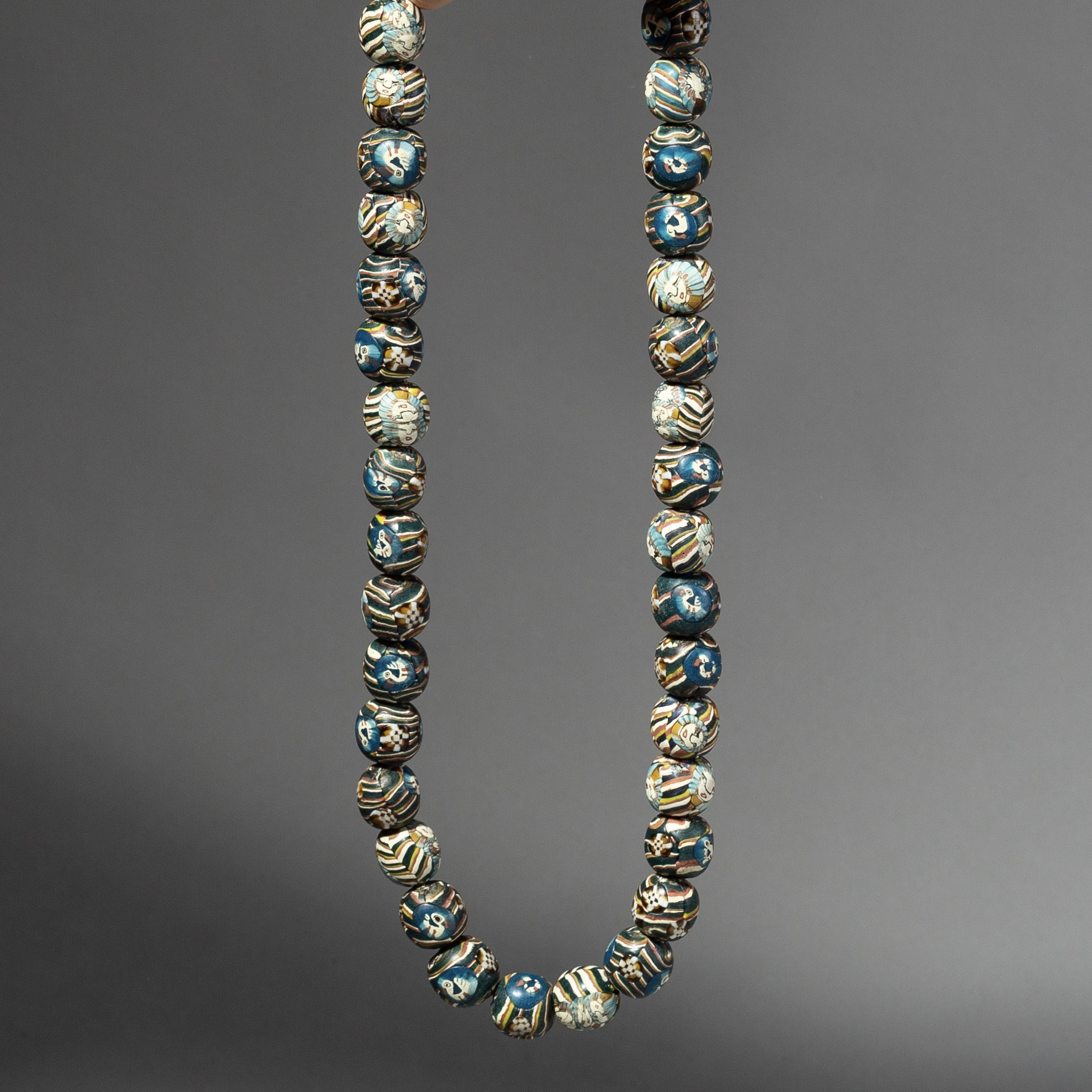 MULTI COLOUR GLASS BEAD NECKLACE FROM JAVA ( No 2145 )