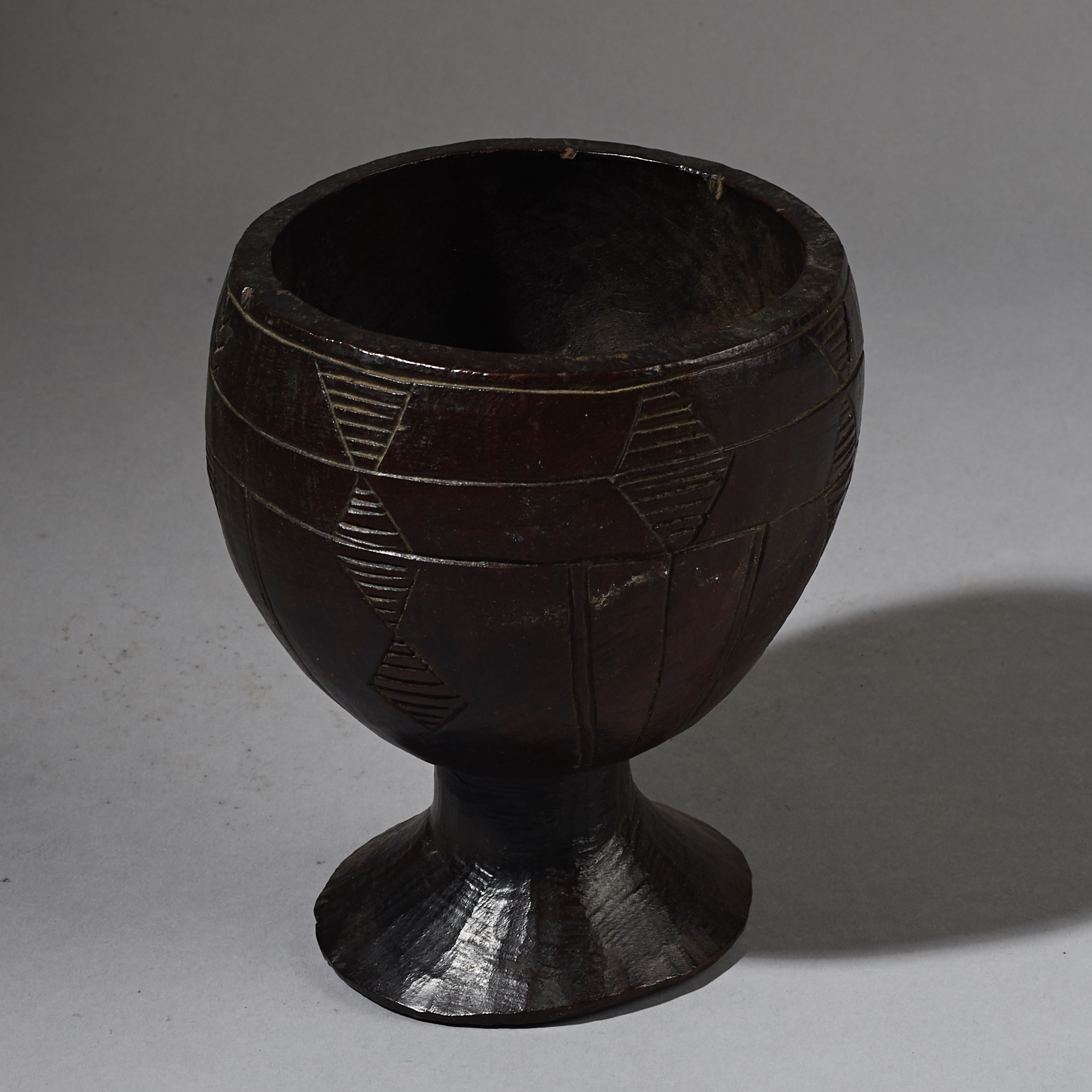 A FINE GOBLET SHAPED BOWL, ETHIOPIA ( No 2623 )