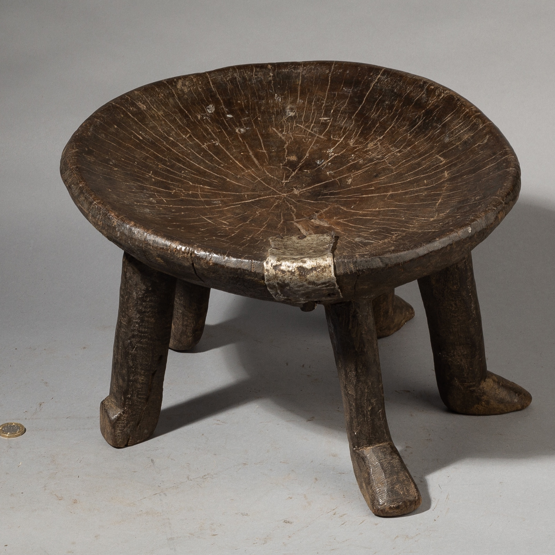 AN UNEXPECTED 5 LEGGED STOOL FROM THE HE HE TRIBE TANZANIA ( No 3657)