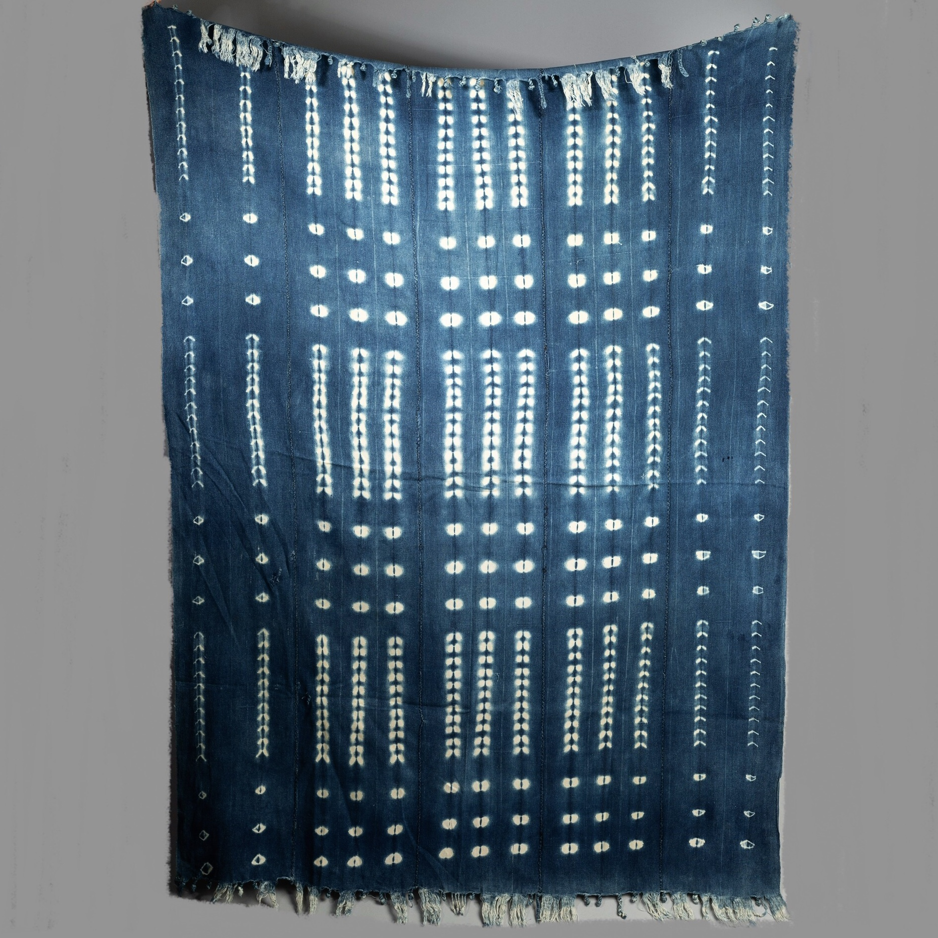 AN ENERGETIC MOSSI CLOTH FROM BURKINA FASO ( No 3249 )