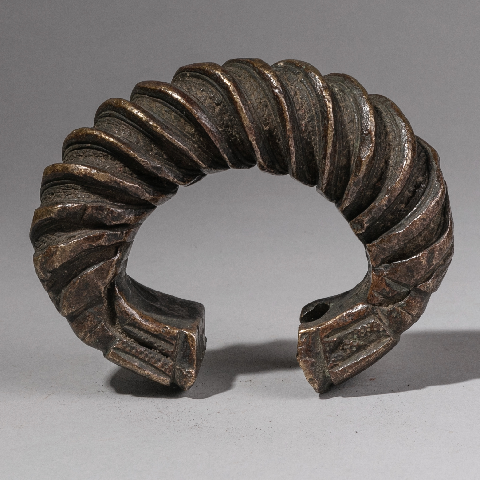 A HUGE 19thC GUERRE CURRENCY ANKLET FROM THE IVORY COAST ( No 1306 )