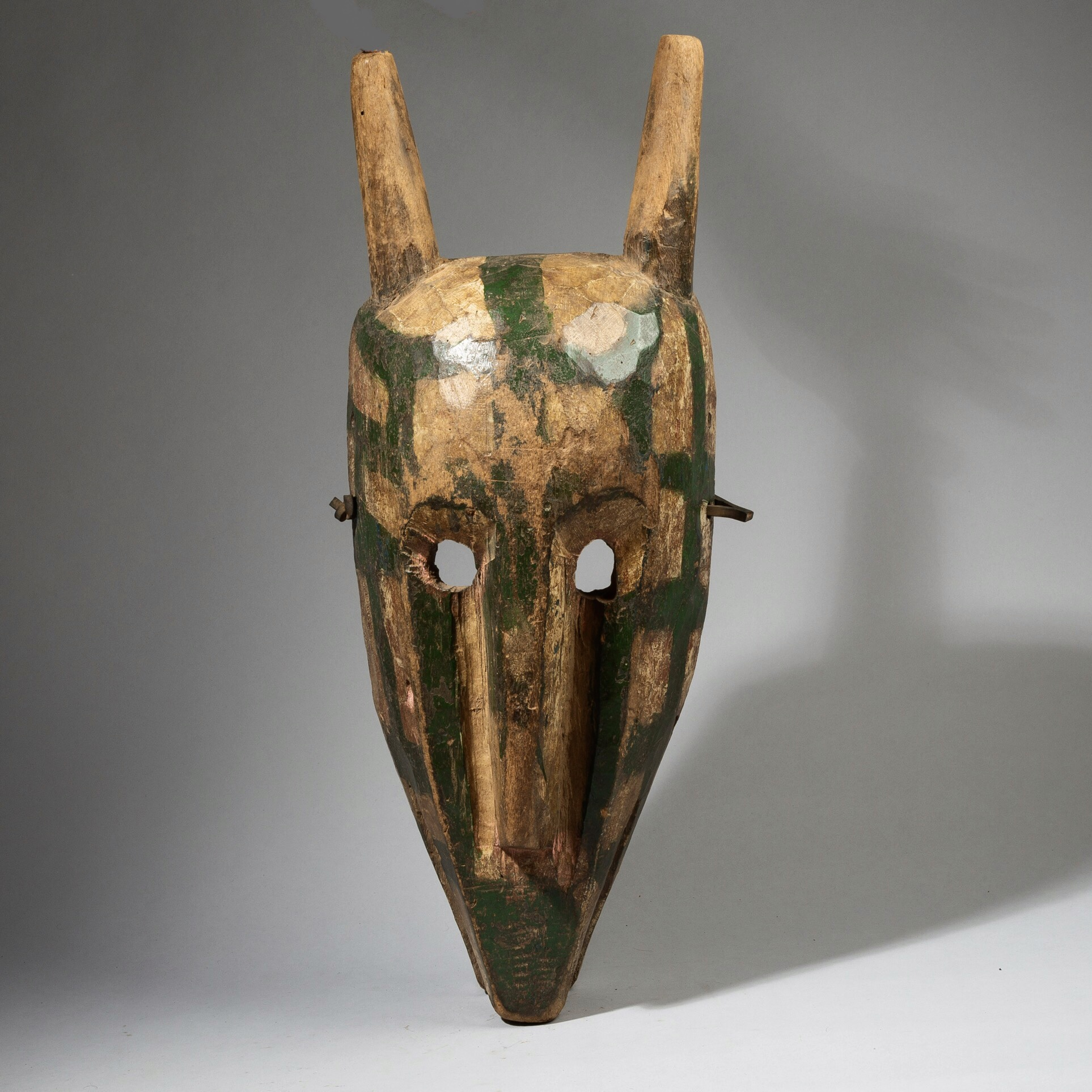 SOLD A MASSIVE BOBO MASK FROM MALI, WEST AFRICA ( No 4446)
