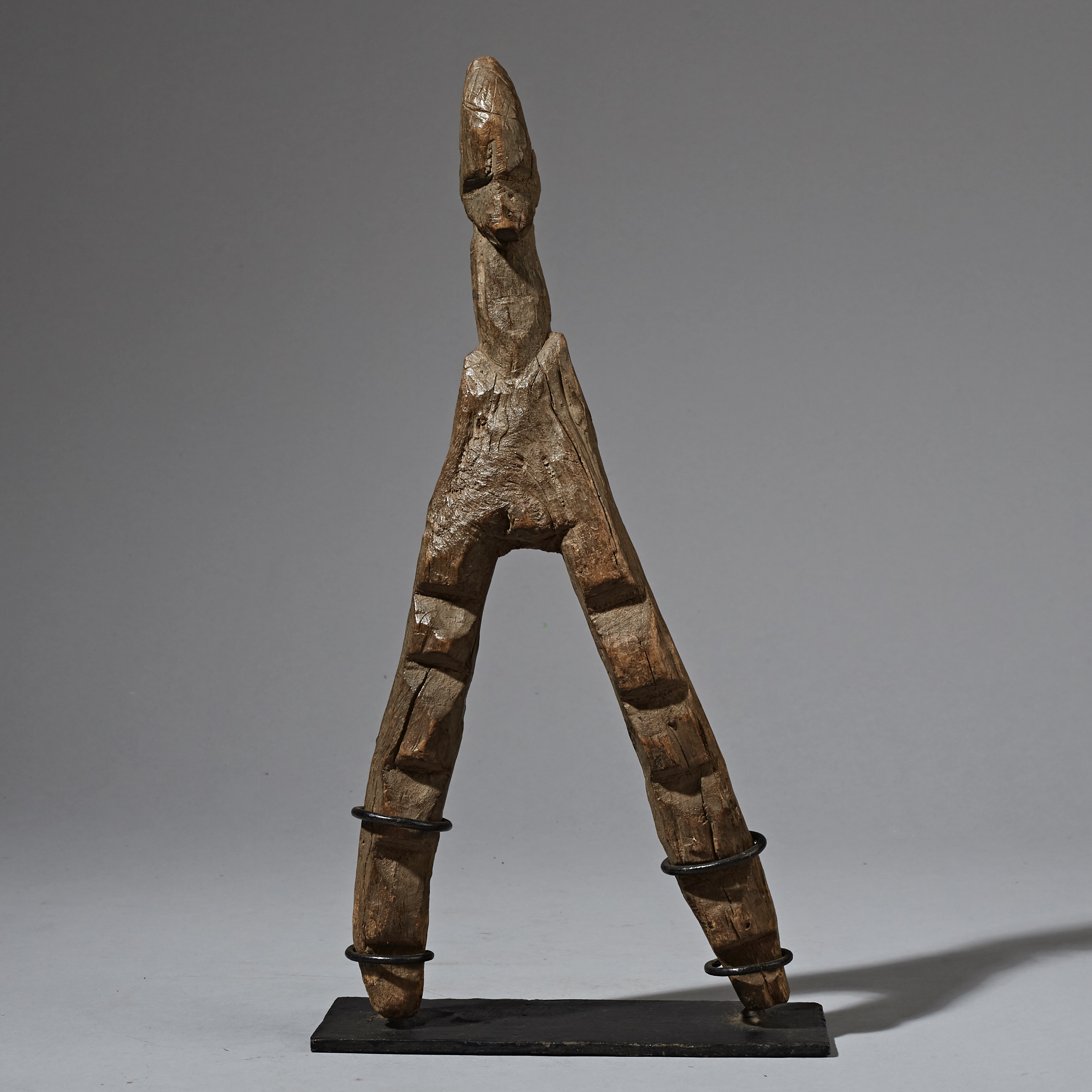 A RARE LOBI ALTAR FIGURE WITH LADDERS FOR LEGS ( No 2374 )
