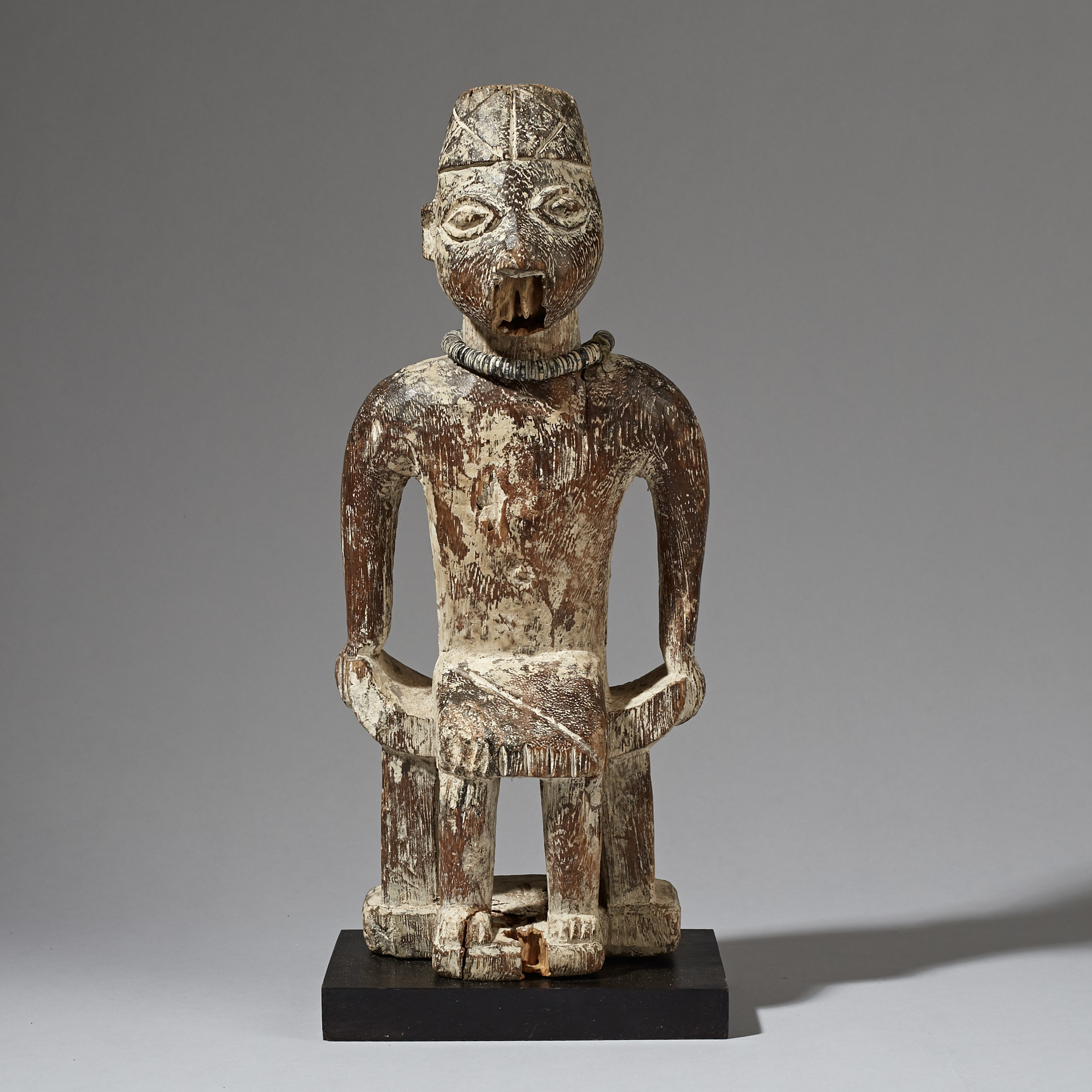 AN SUBSTANTIAL, ERODED FON ALTAR FIGURE, BENIN ( No 2947 )