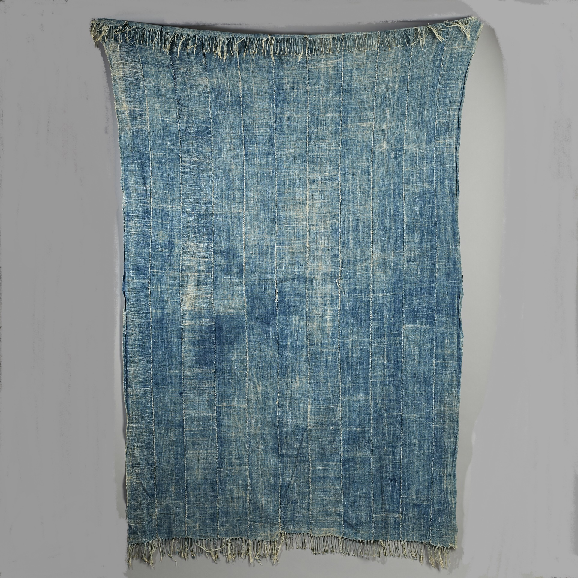 A WORN DENIMY INDIGO CLOTH FROM BURKINA FASO ( No 2967 )