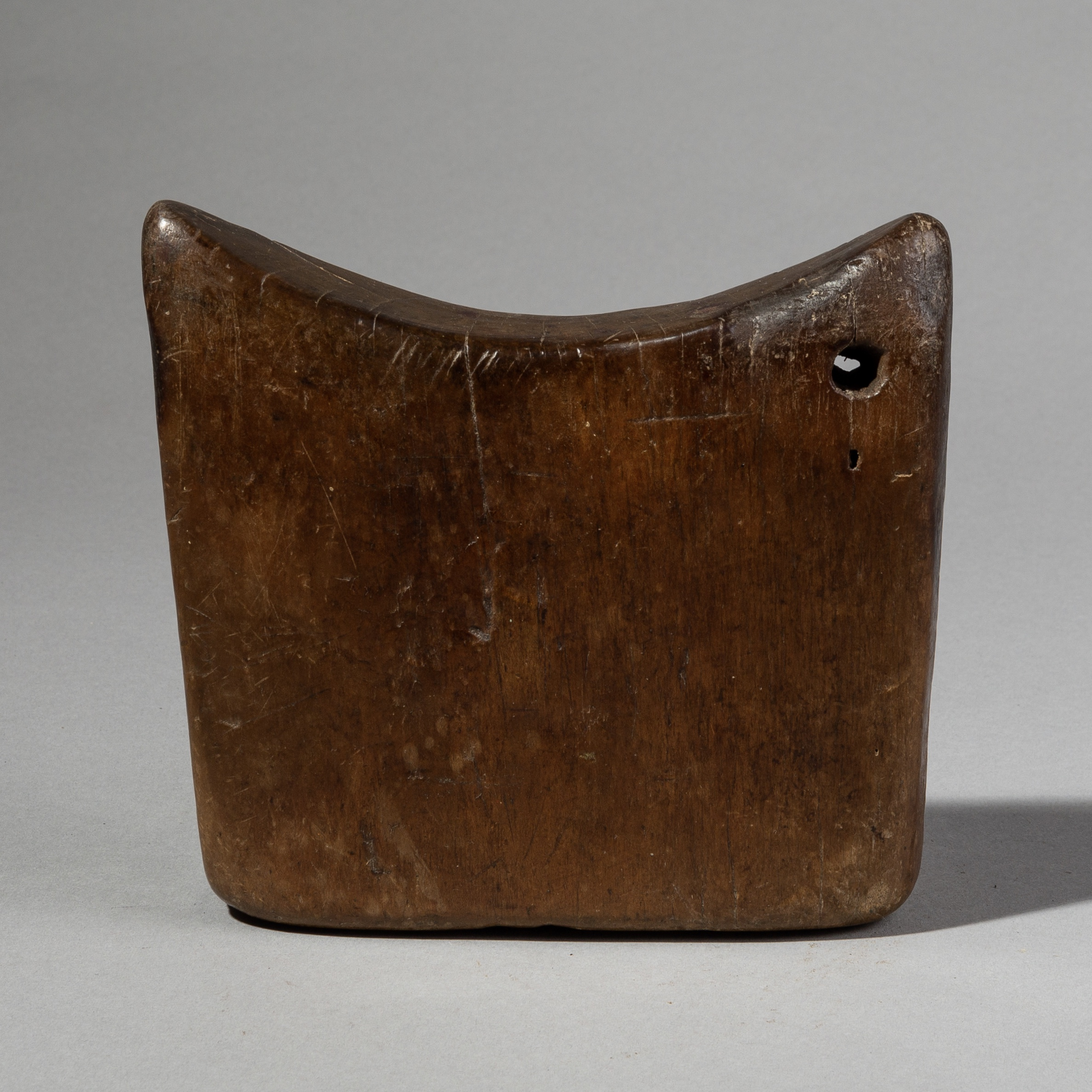 A SUPER PATINATED GURAGE TRIBE HEADREST FROM ETHIOPIA ( No 1965 )