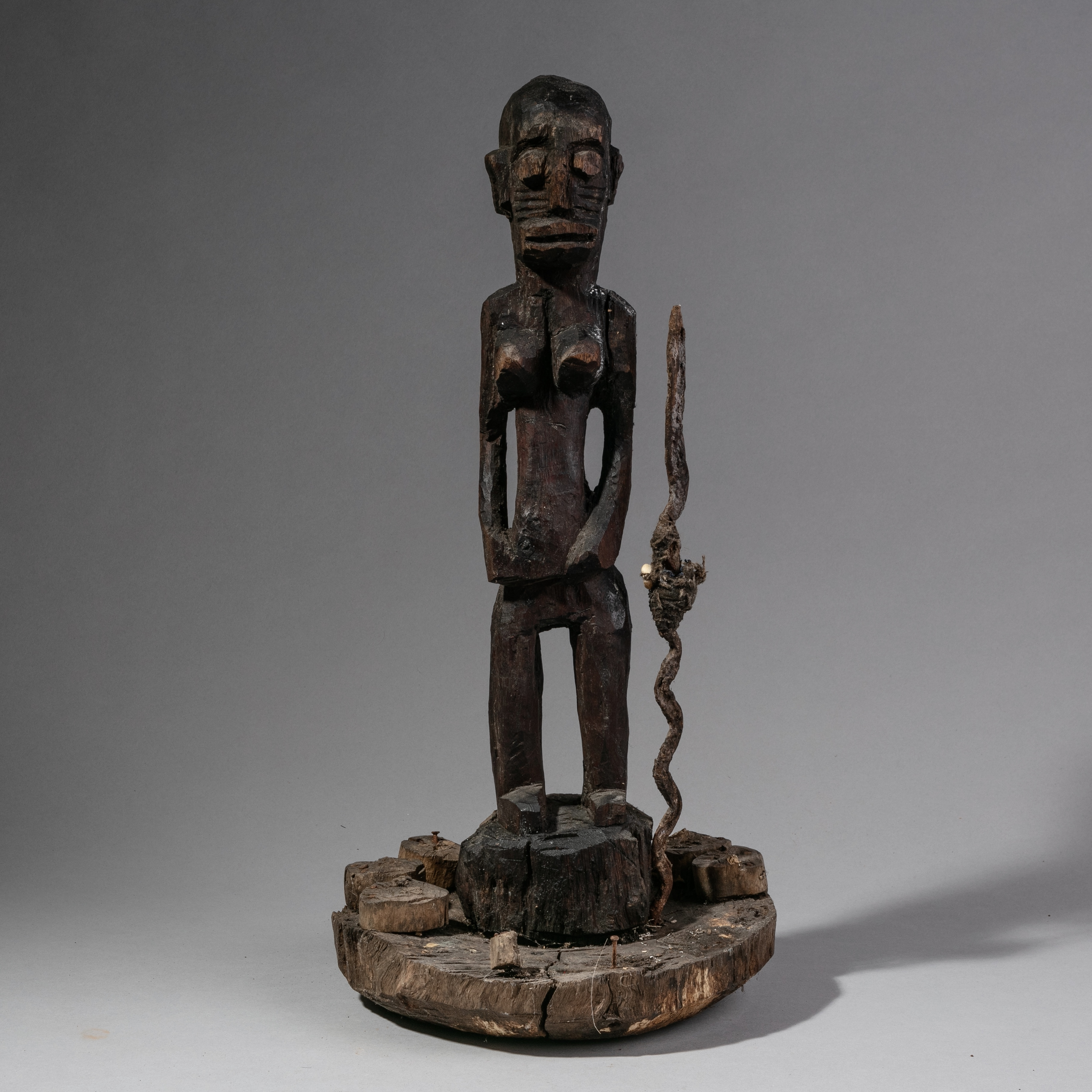A TALL 70 CM + WILLOWY NAGU TRIBE FETISH FIGURE FROM BENIN ( 1103 )