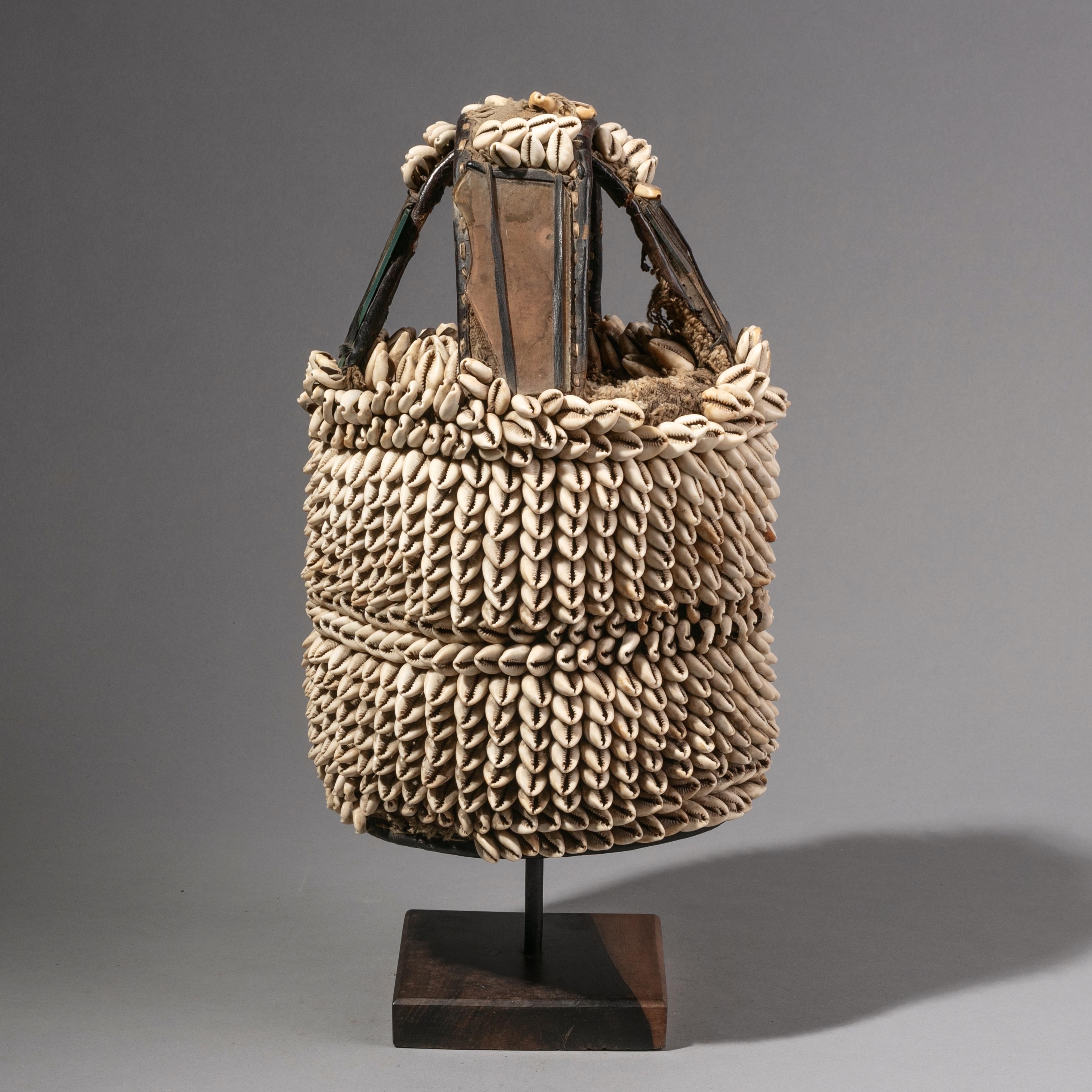 SD ( SPECIAL DEAL ) A COWRIE SHELL DENSE HOUSE OF THE HEAD, YORUBA TRIBE NIGERIA ( No 1204 )