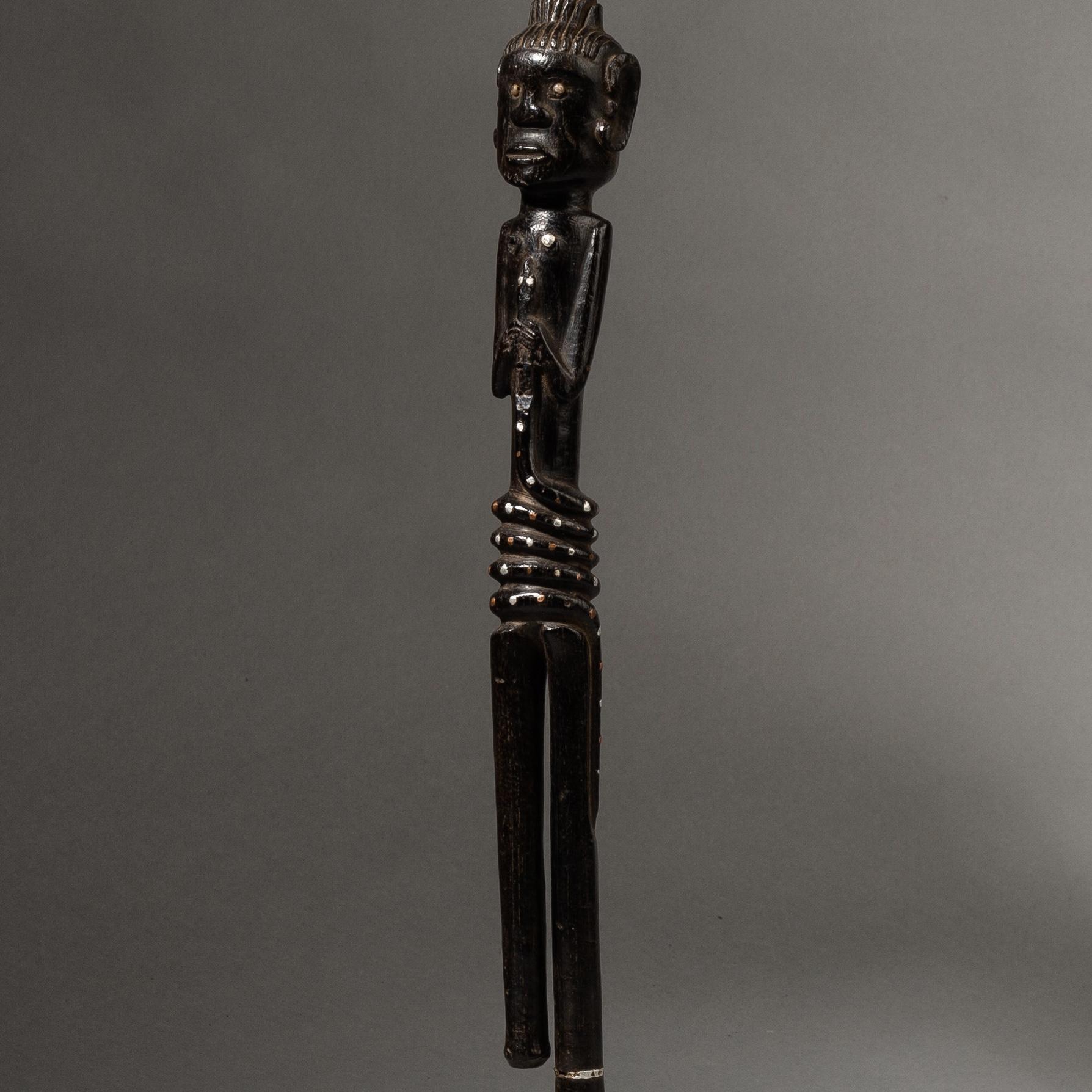 A GORGEOUS FIGURATIVE SCEPTRE FROM TANZANIA ( No 3494 )