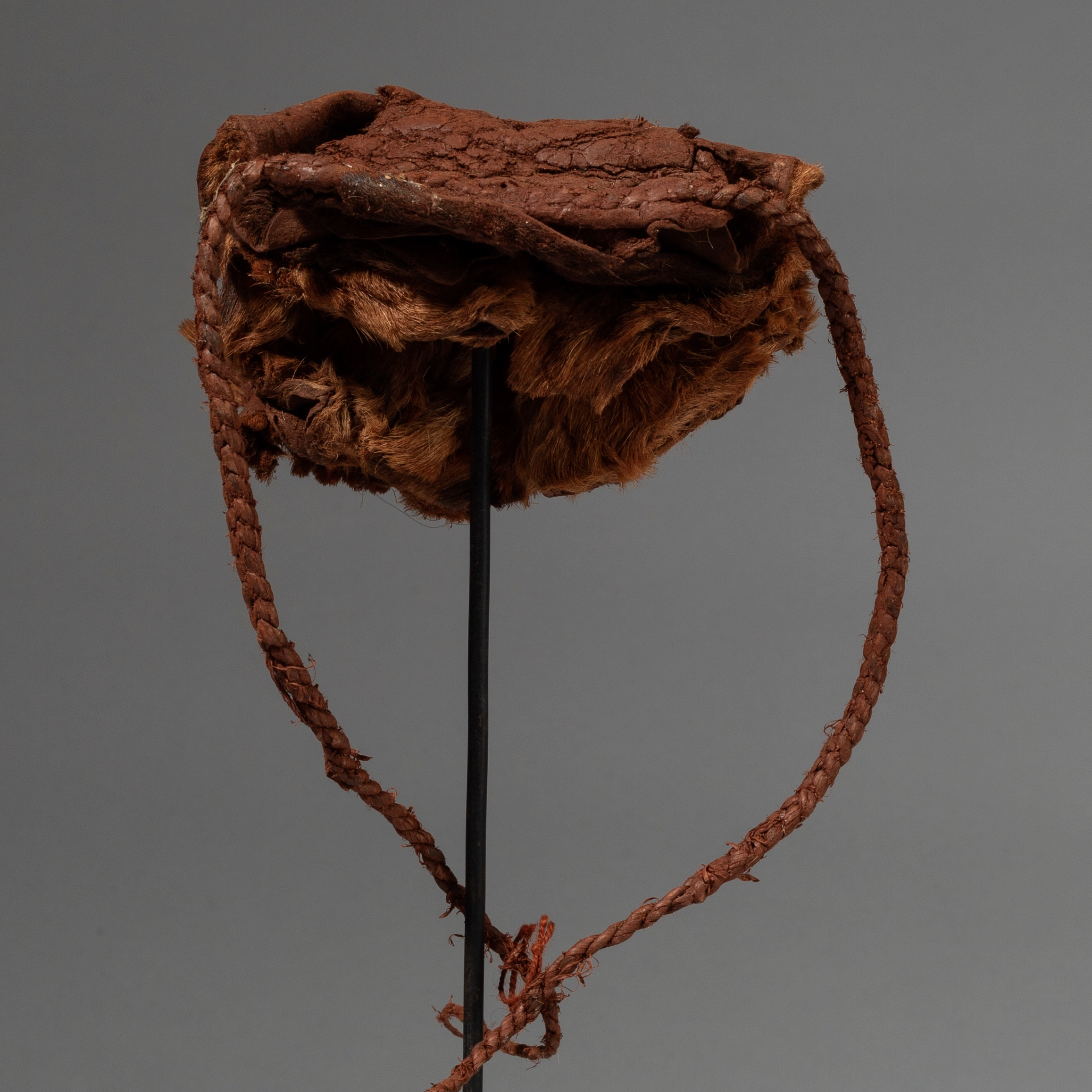 A HIMBA HIDE + RED PIGMENT HEADRESS FROM NAMIBIA  ( No 3153 )