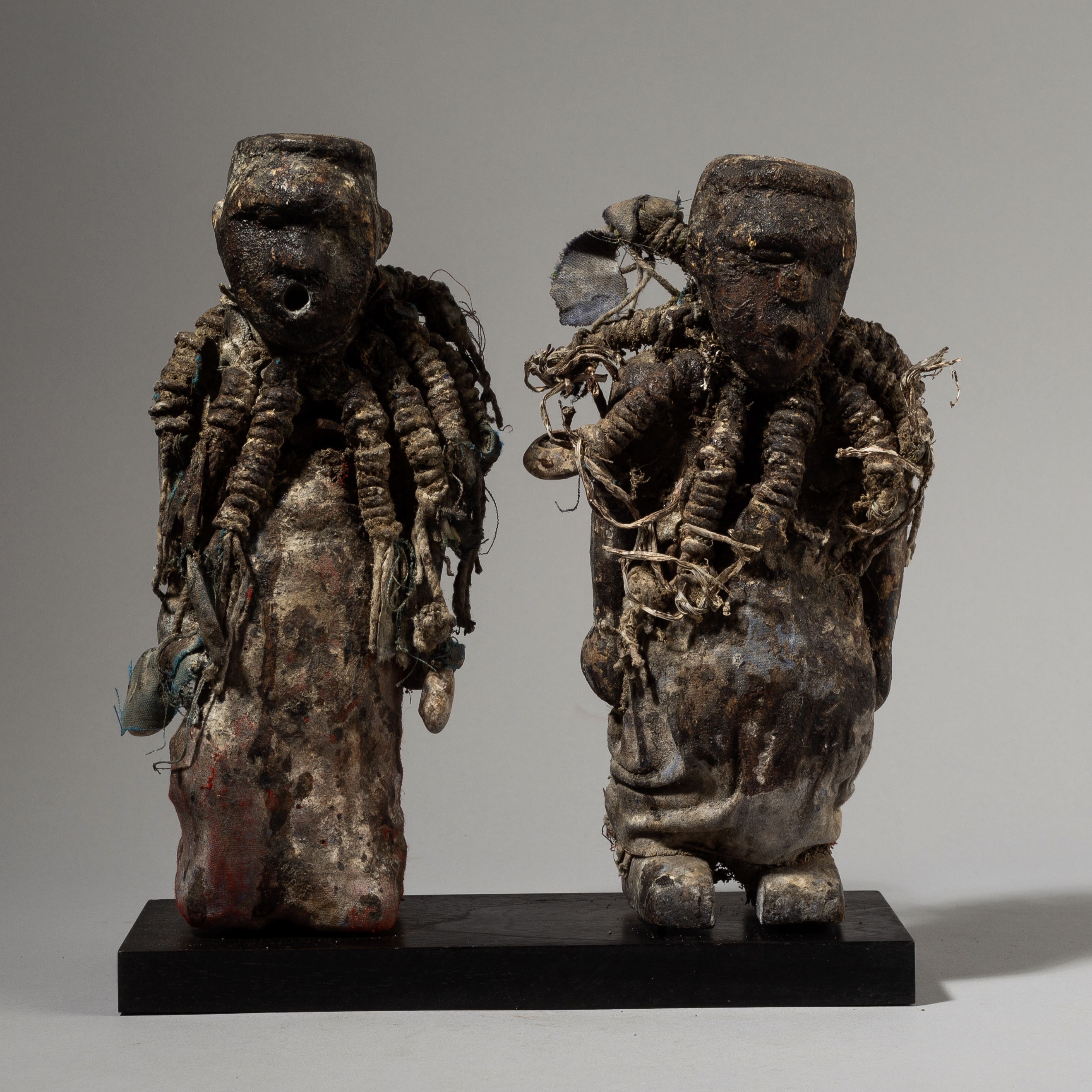 HA SOLD A PAIR OF POWER FIGURES WITH OPEN MOUTHS, EWE TRIBE GHANA W AFRICA ( No 3975 )
