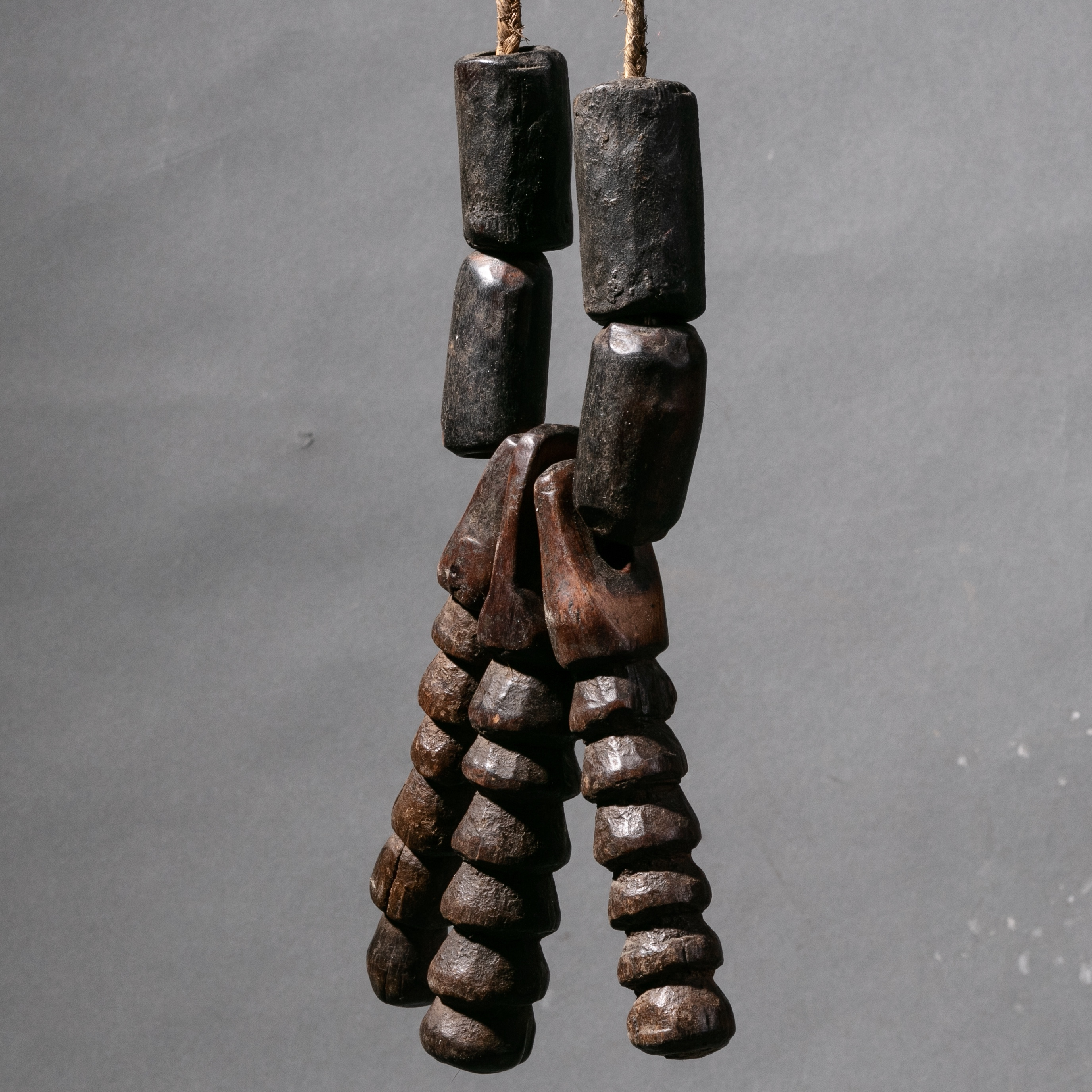 A FERTILITY NECKLACE FROM MURSI TRIBE OF ETHIOPIA ( No 2214 )